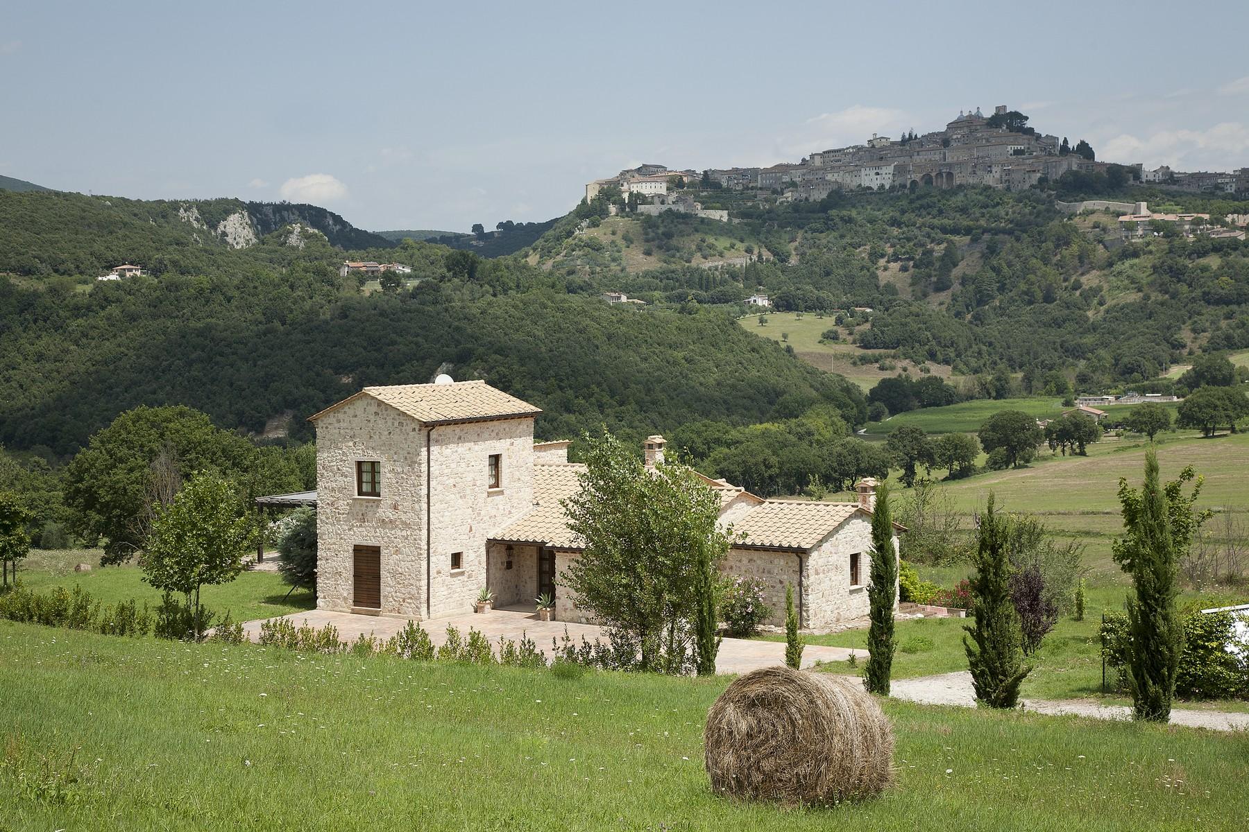Villa in Vendita a Amelia: 5 locali, 300 mq