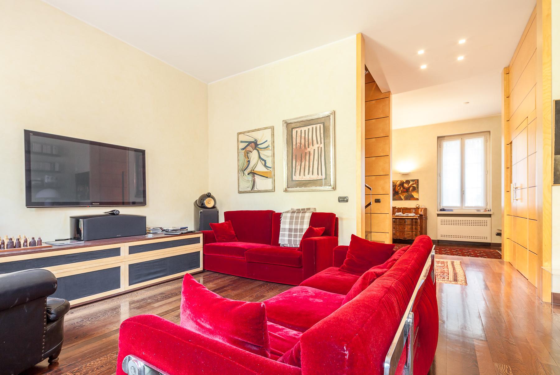 Villa in Vendita a Milano via plauto