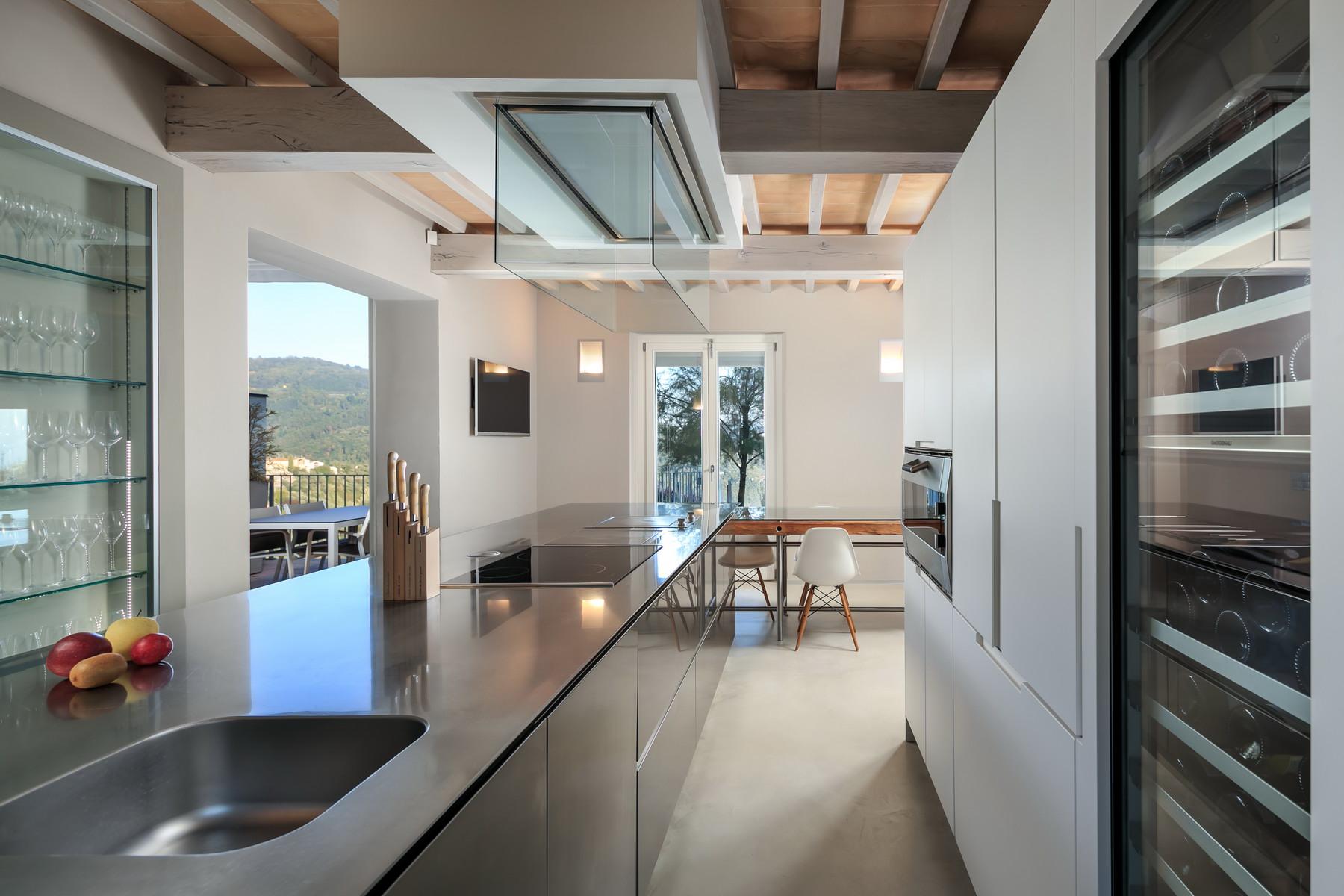Villa in Vendita a Massa E Cozzile: 5 locali, 270 mq
