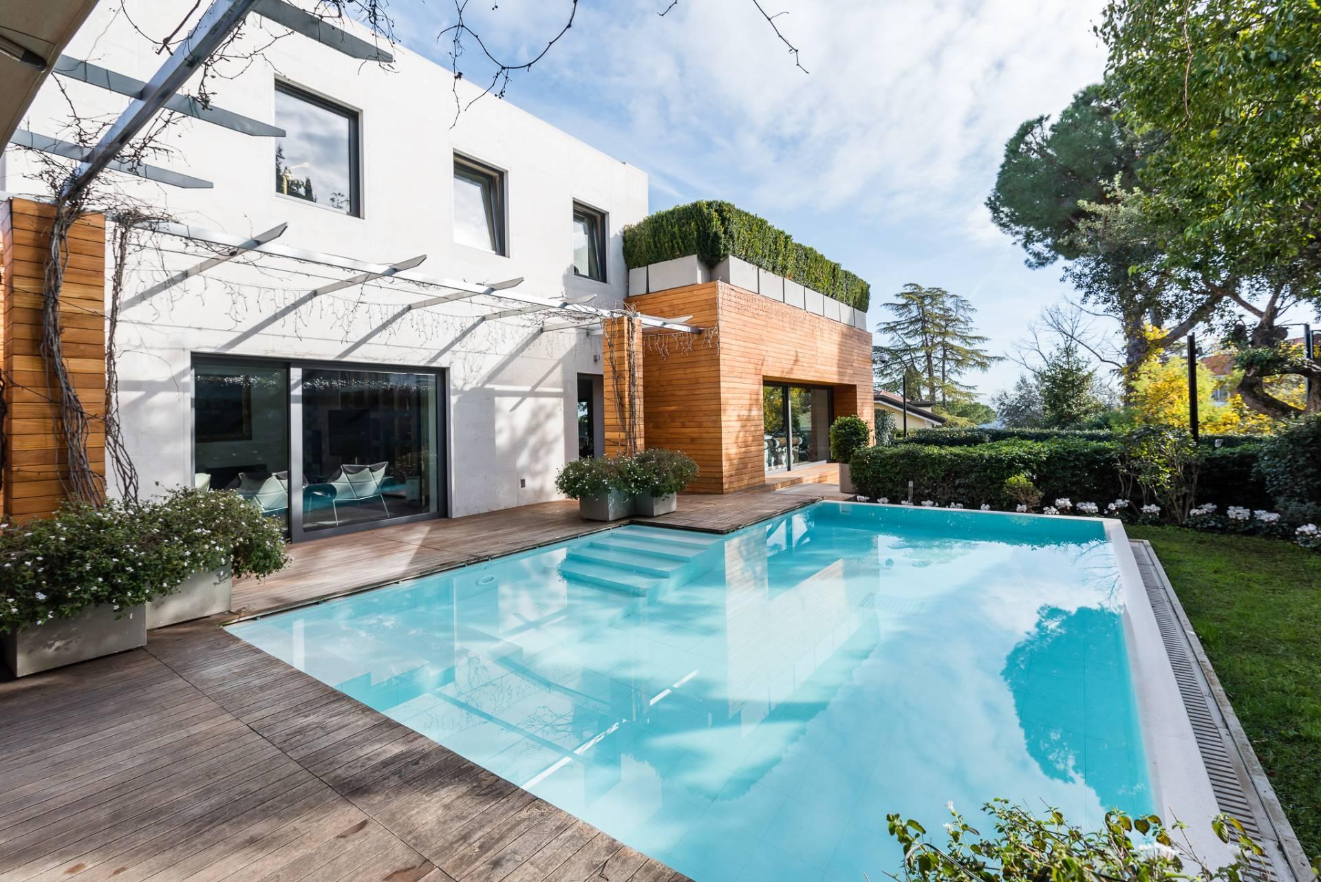 Villa in Vendita a Roma via dei colli della farnesina