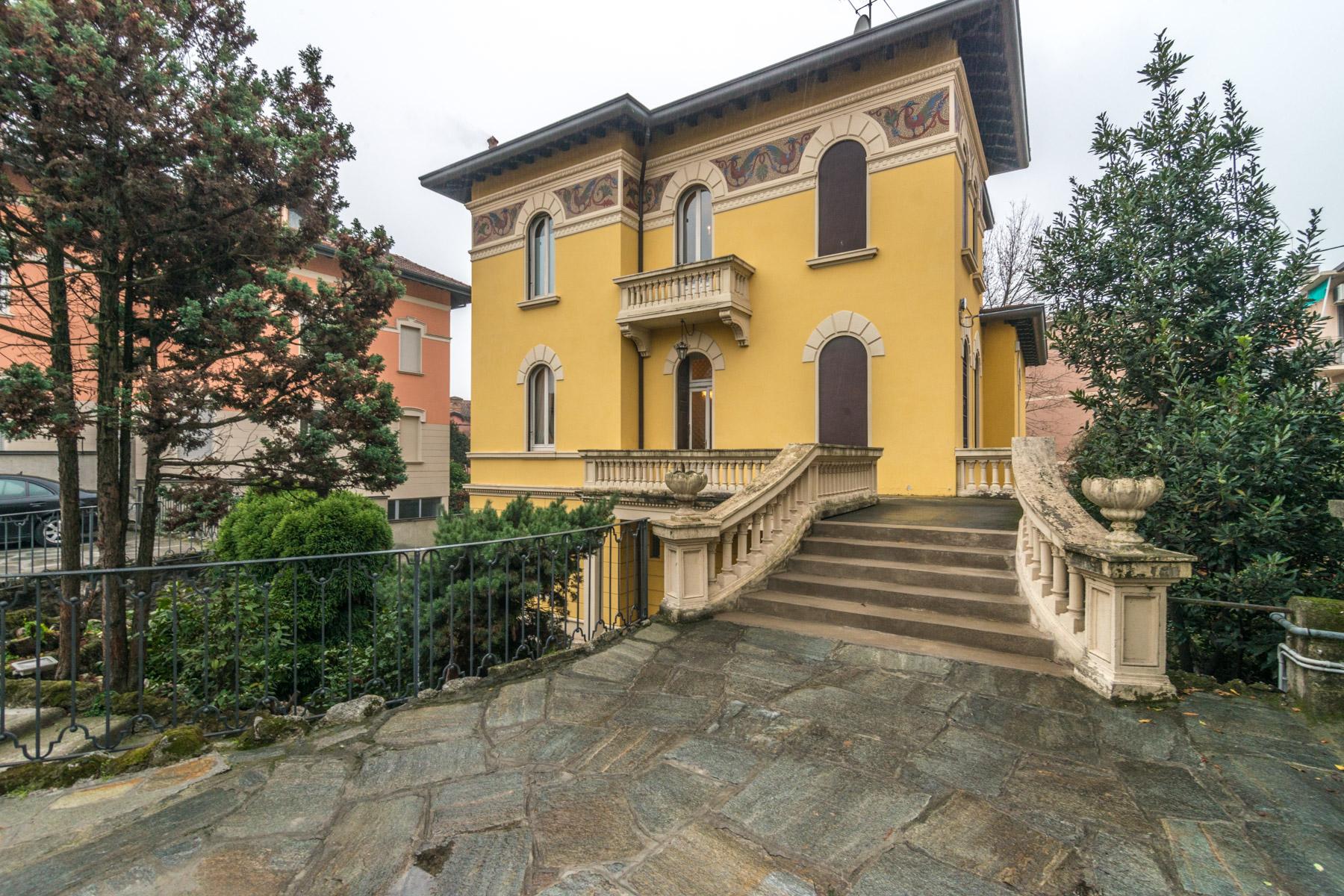 Villa in Vendita a Pavia Centro: 5 locali, 400 mq