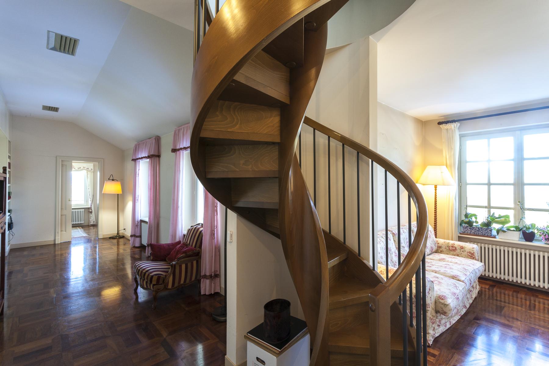 Appartamento in Vendita a Torino: 5 locali, 270 mq - Foto 2