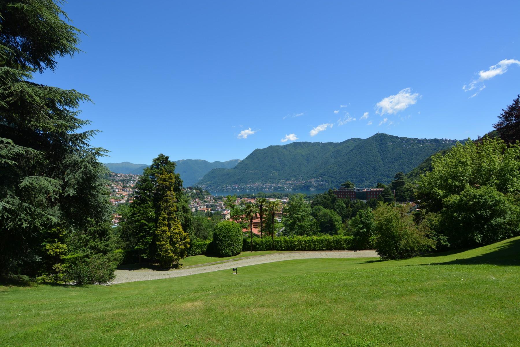 Casa indipendente in Vendita a Como: 5 locali, 180 mq