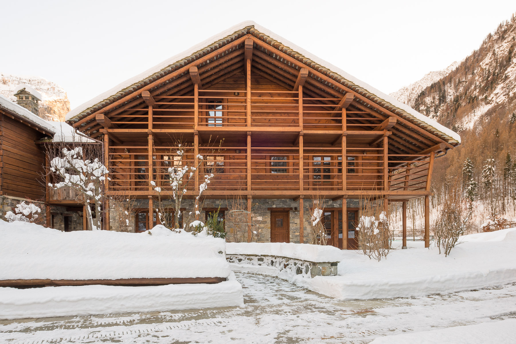 Villa in Vendita a Alagna Valsesia: 5 locali, 300 mq