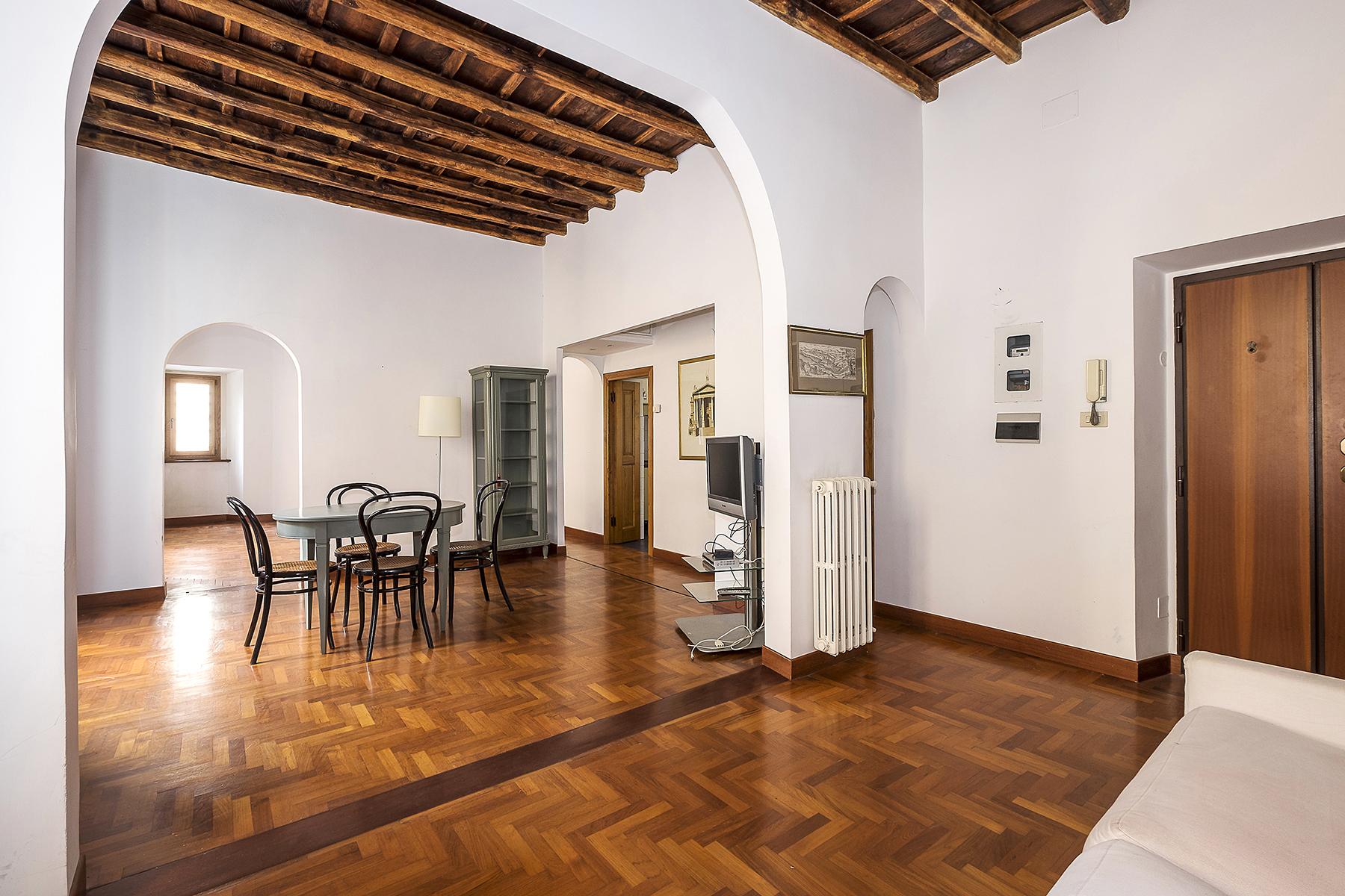 Appartamento di lusso in vendita a roma vico vicolo dei for Appartamento ufficio roma