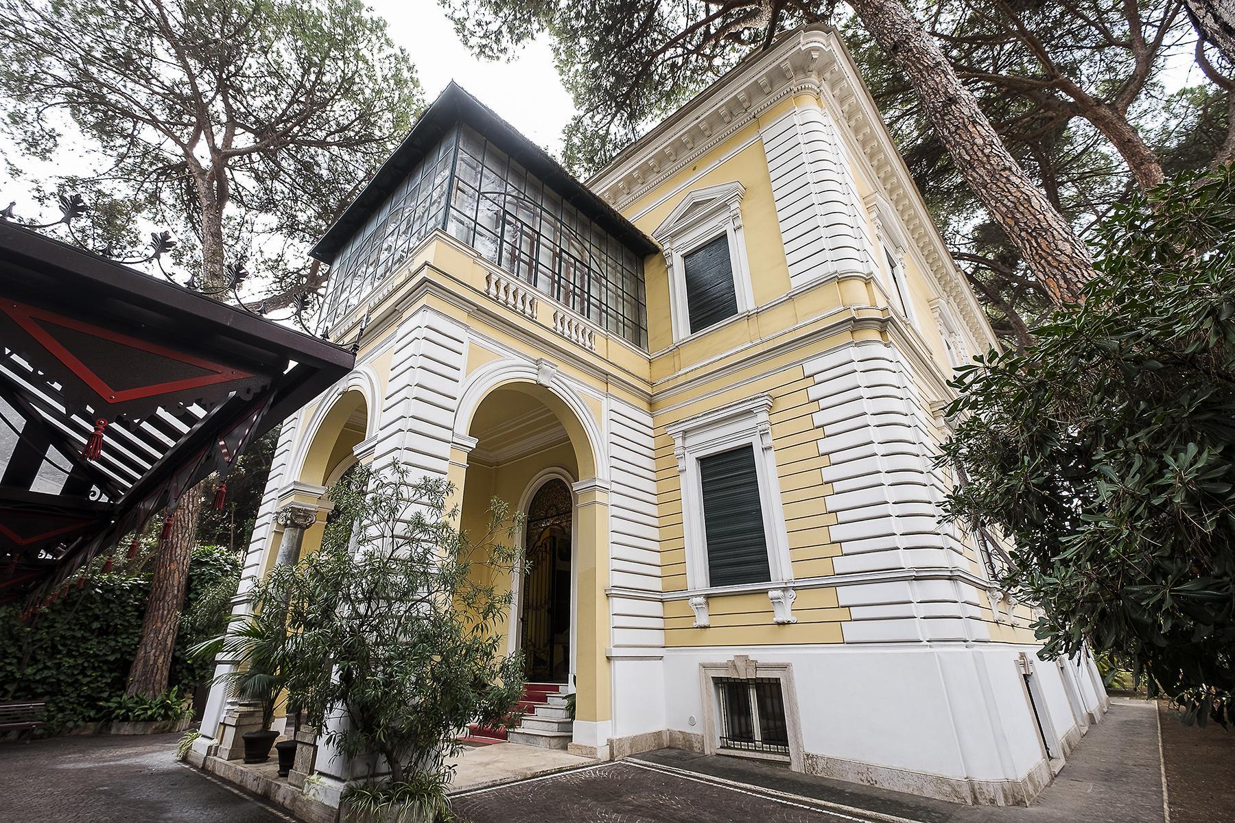 Villa in Vendita a Roma via ruggero giovannelli