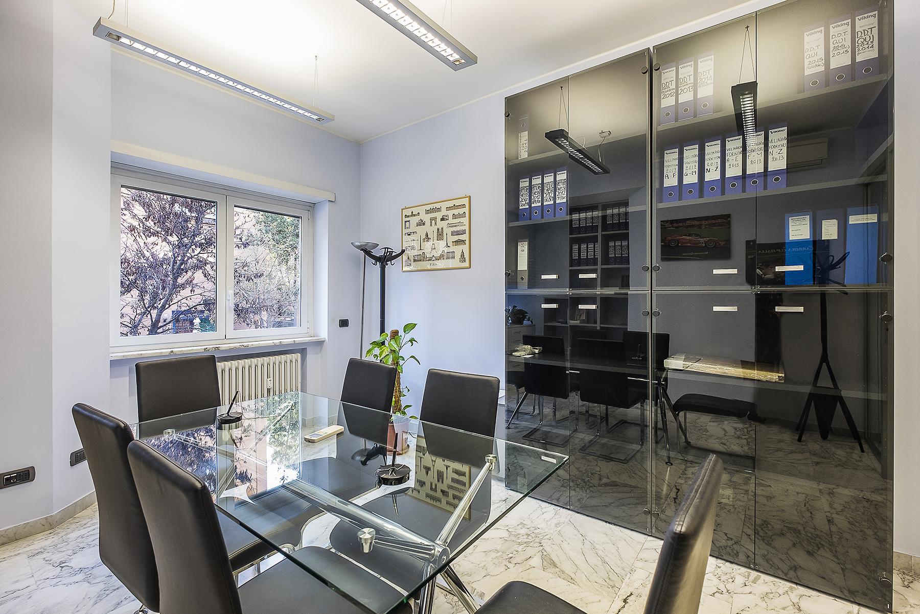Ufficio studio di lusso in affitto a roma via eleonora for Affitto uffici zona eur