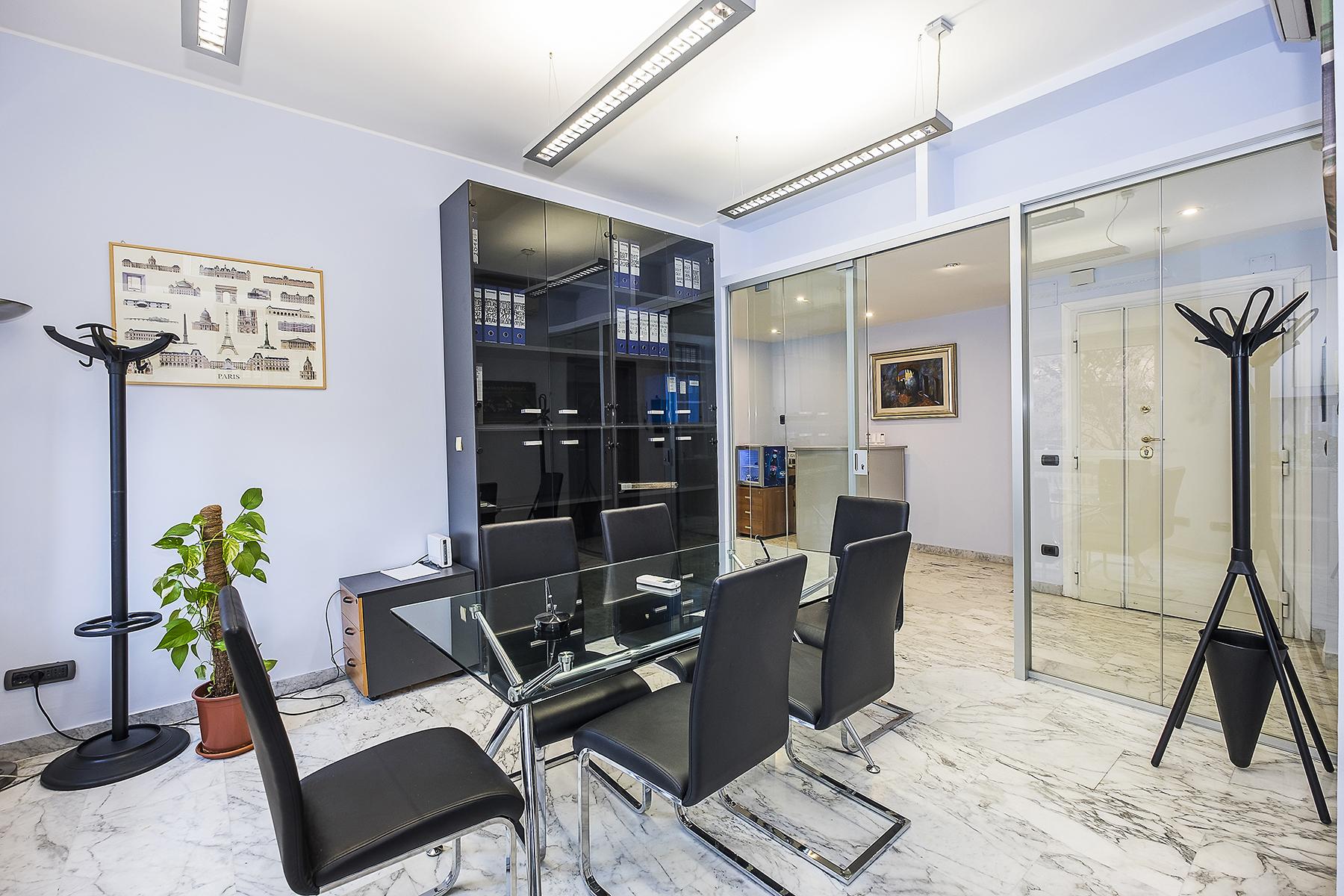 Ufficio studio di lusso in affitto a roma via eleonora for Affitto ufficio giornaliero roma