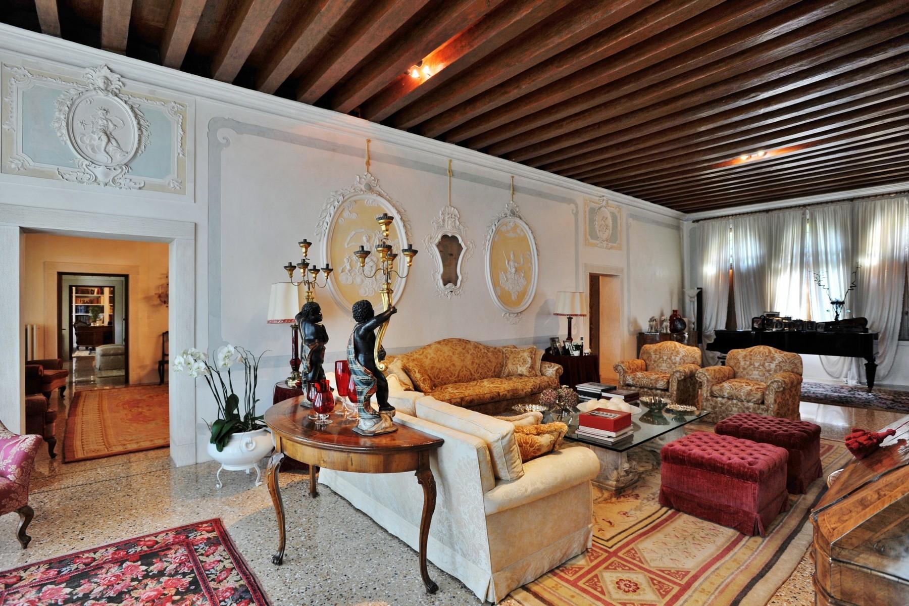 Appartamento in Vendita a Asolo: 5 locali, 500 mq - Foto 2