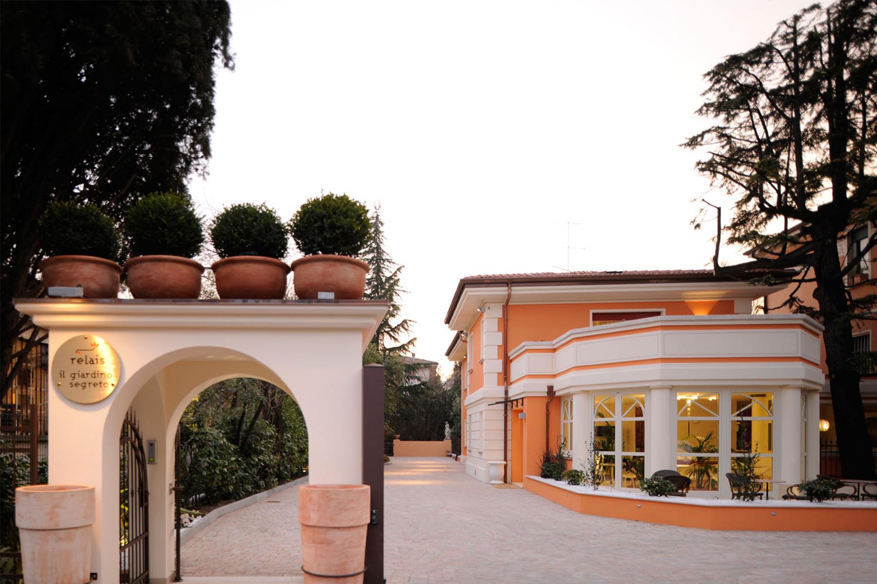 Albergo in Vendita a Desenzano Del Garda: 5 locali, 750 mq - Foto 2