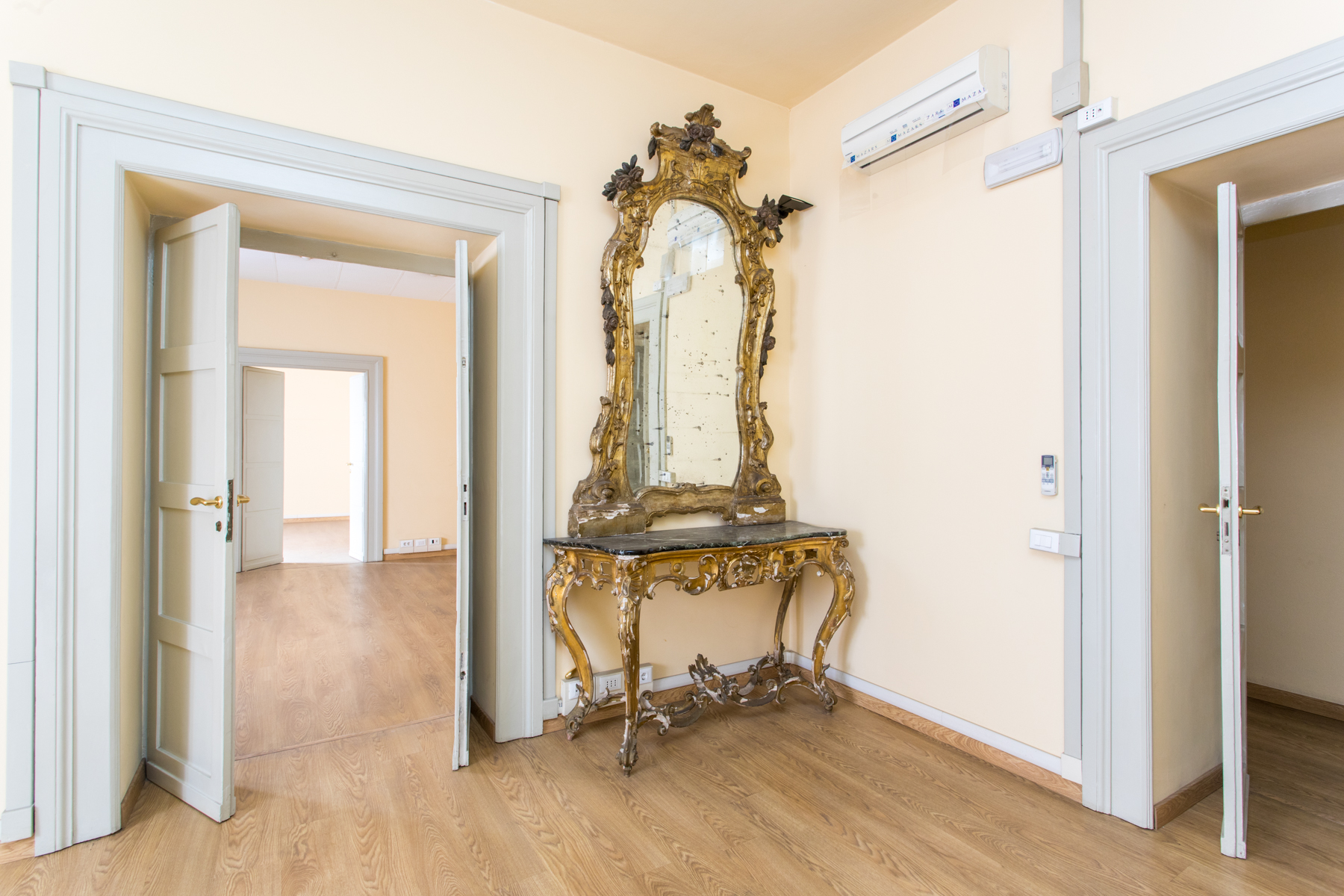 Ufficio-studio in Vendita a Roma: 5 locali, 600 mq