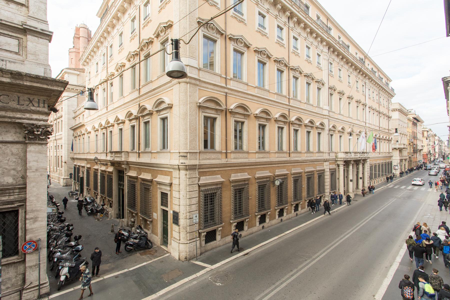 Ufficio-studio in Vendita a Roma corso via del corso