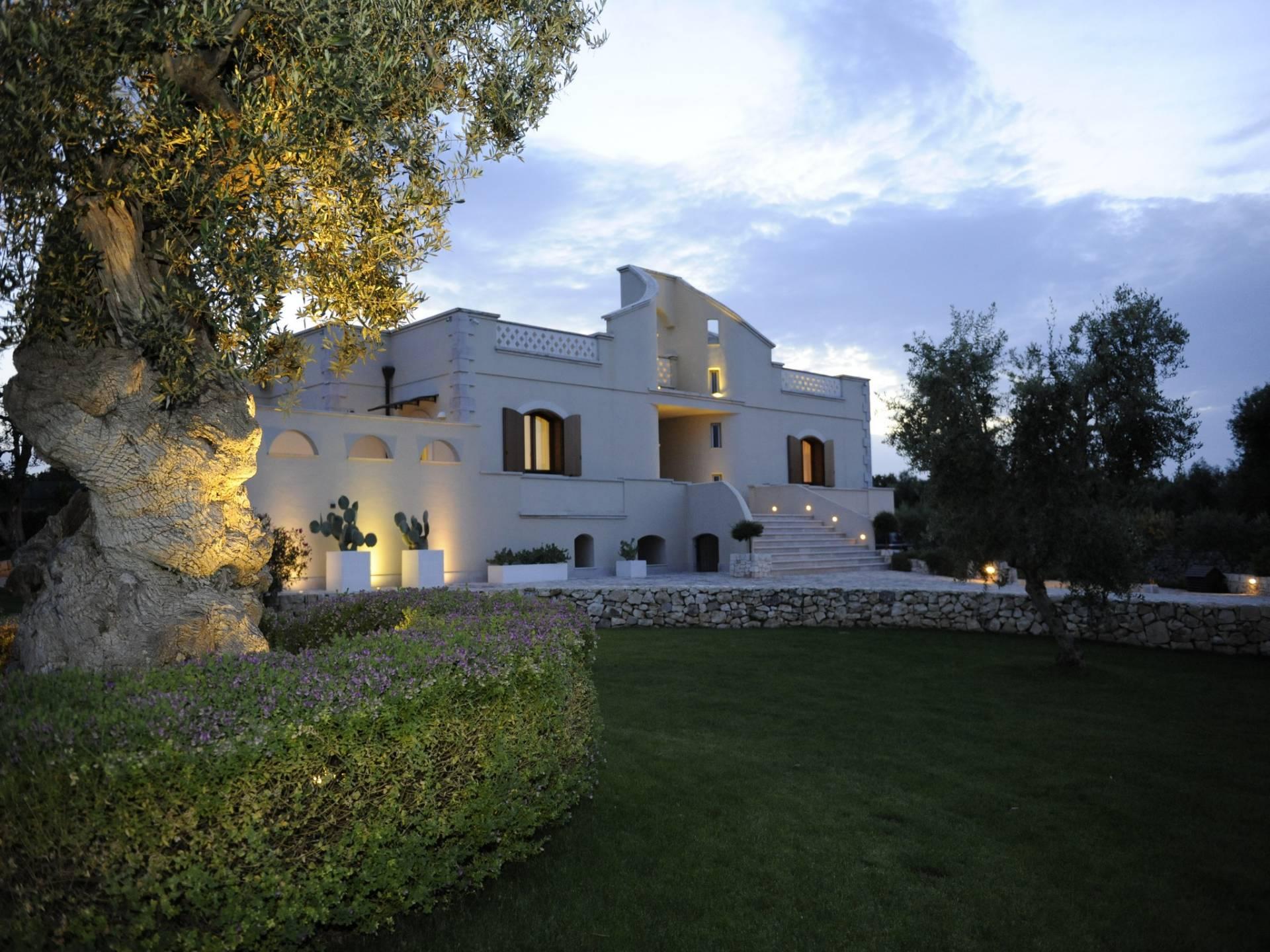 Villa in Vendita a Ostuni:  5 locali, 320 mq  - Foto 1