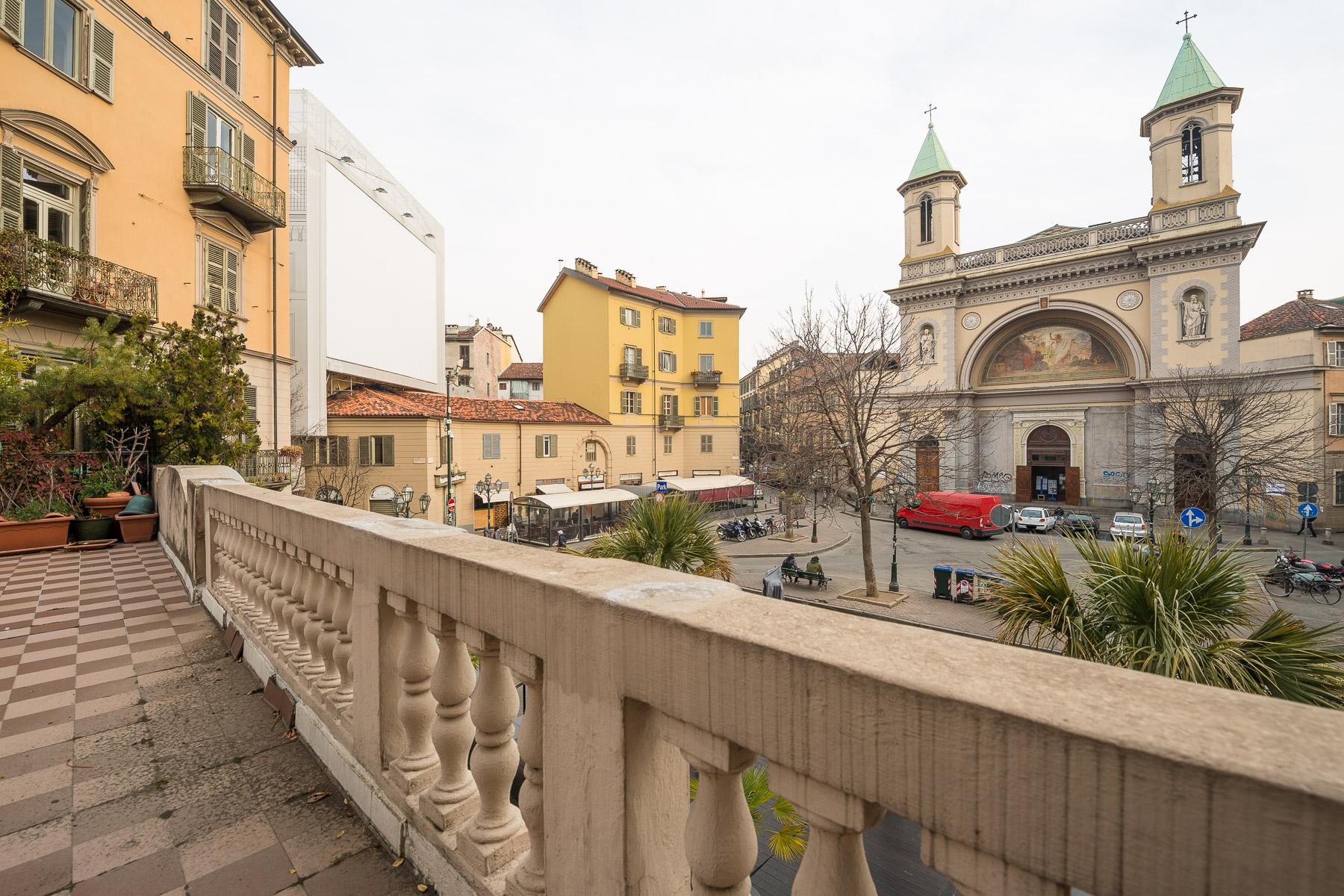 Appartamento in Vendita a Torino: 5 locali, 210 mq