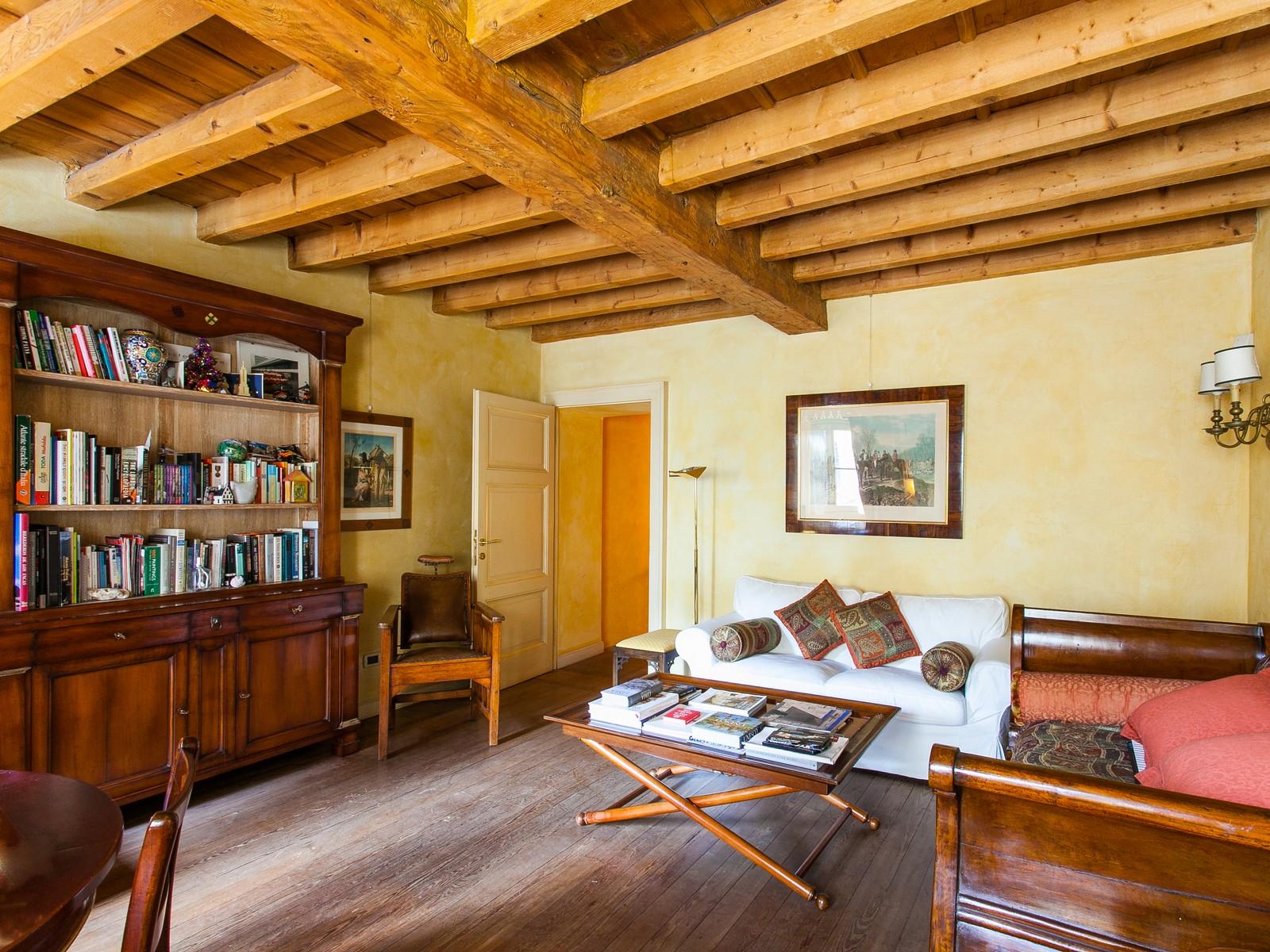 Appartamento di lusso in affitto a milano corso magenta for Piani coloniali di lusso