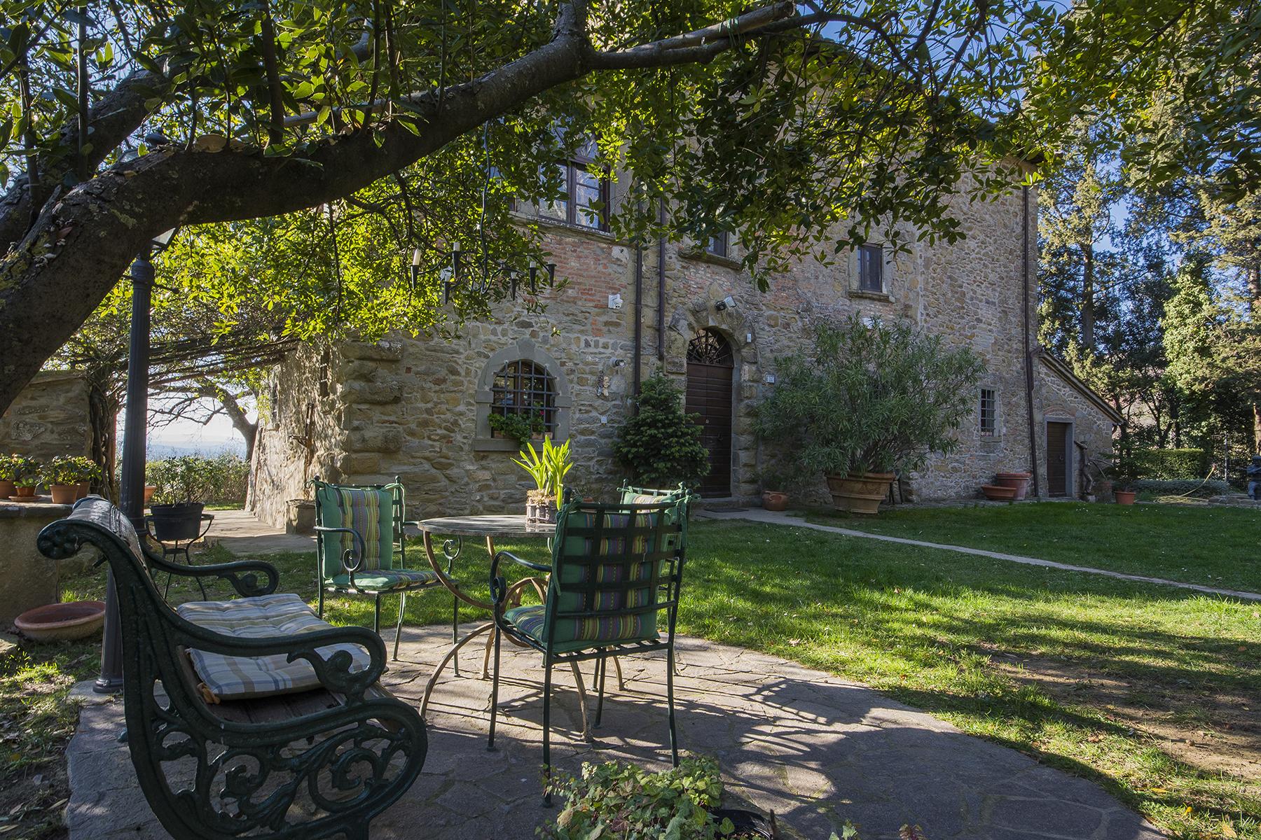 Villa in Vendita a Cortona: 5 locali, 600 mq
