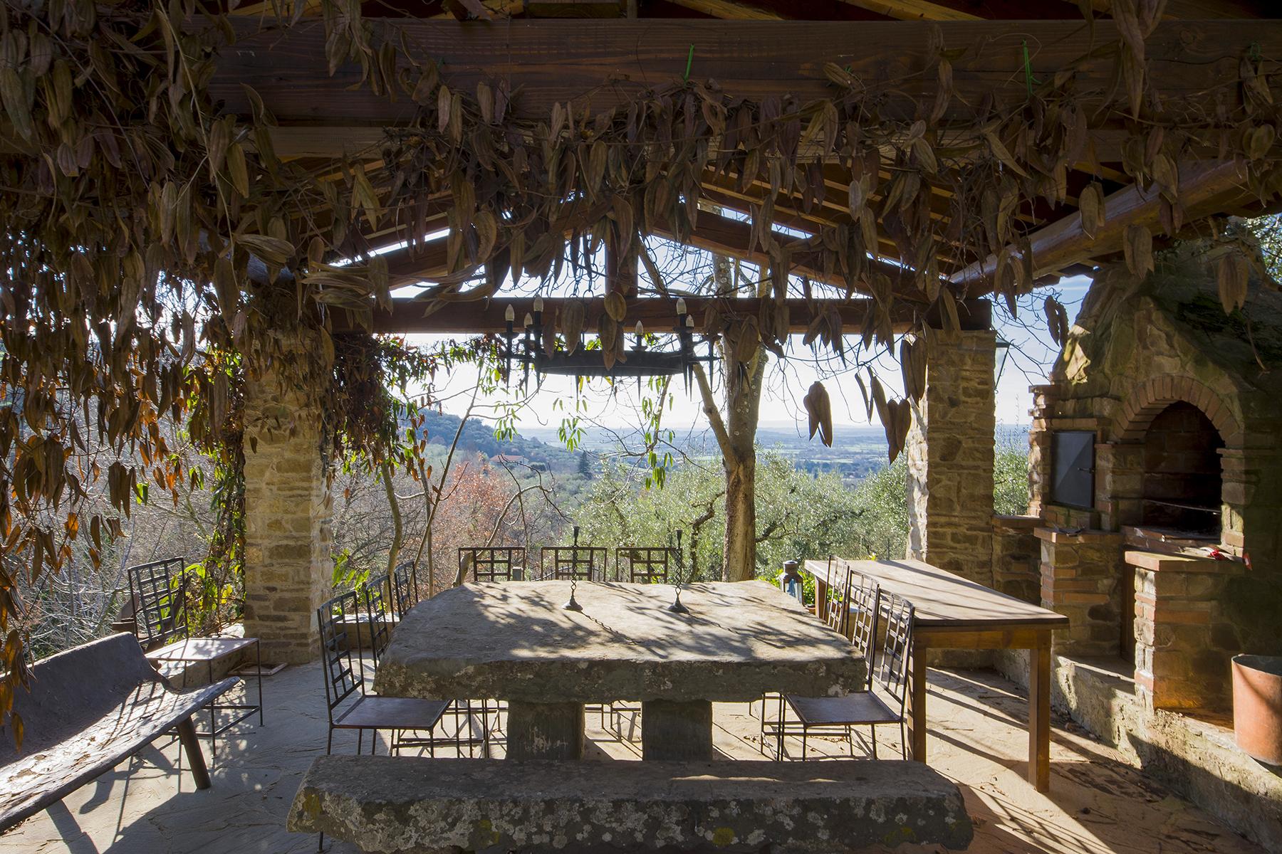 Villa in Vendita a Cortona: 5 locali, 600 mq - Foto 2
