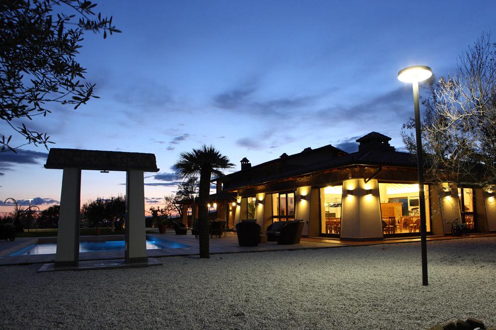 Azienda in Vendita a Blera: 5 locali, 570 mq