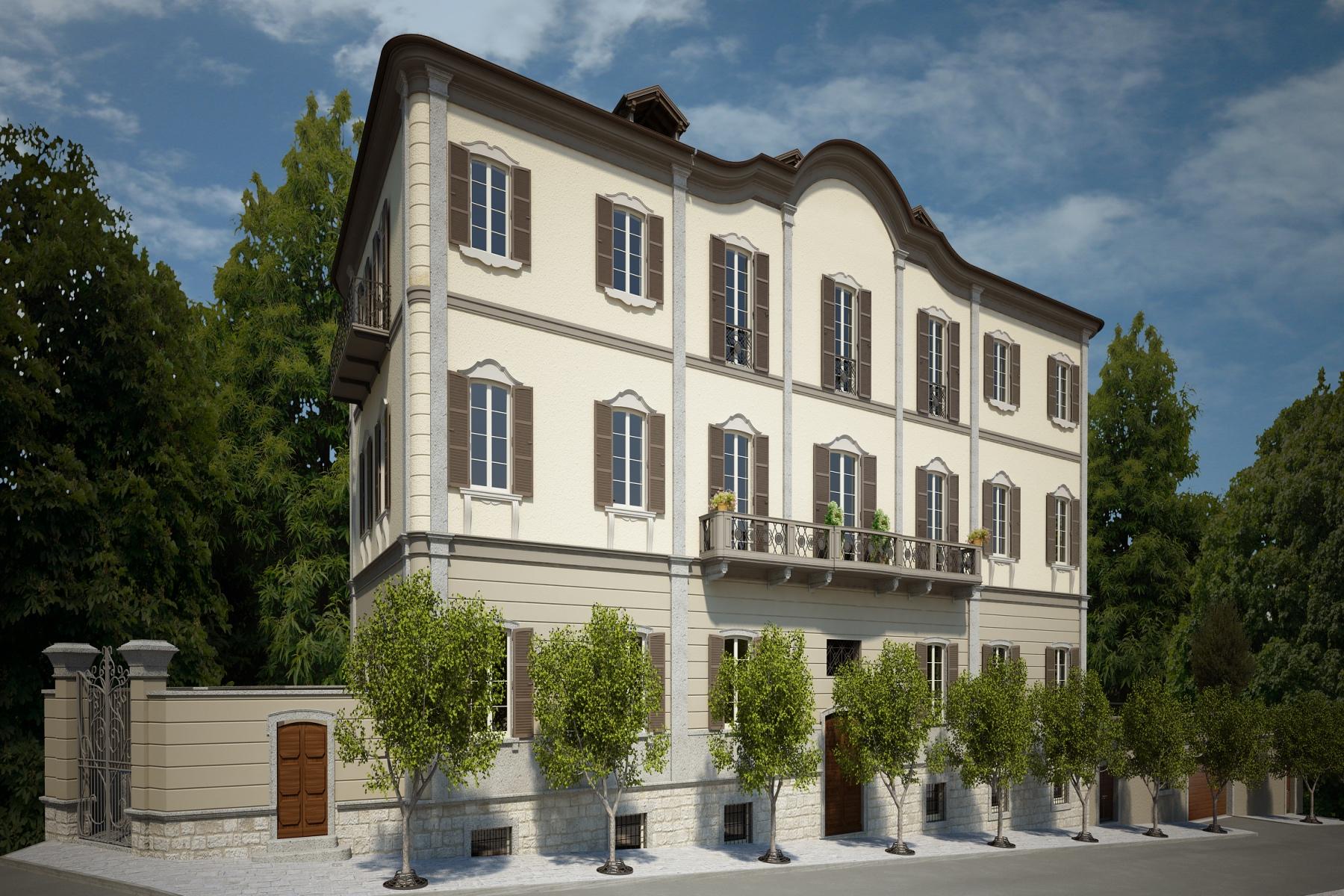 Appartamento in Vendita a Verbania: 5 locali, 240 mq