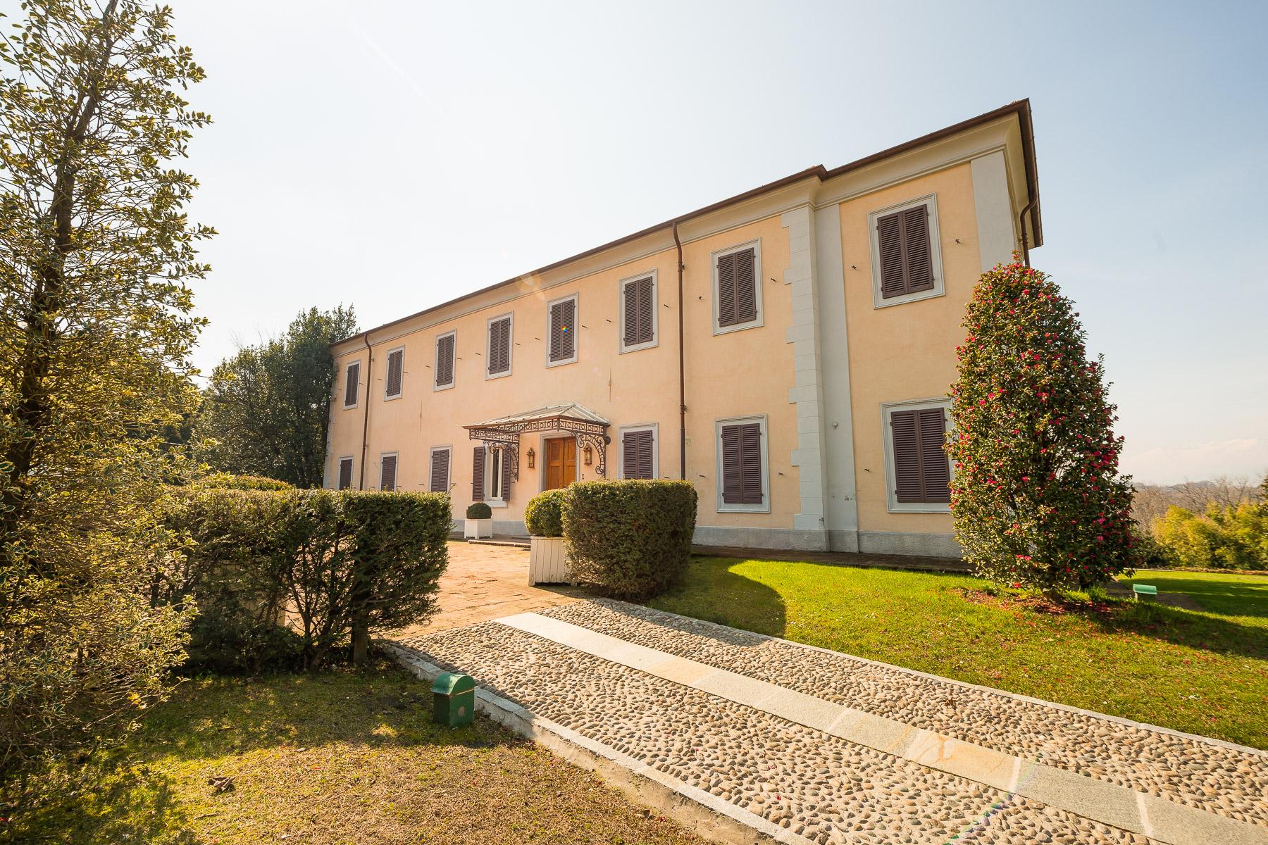 Villa in Vendita a Pianezza: 5 locali, 1200 mq