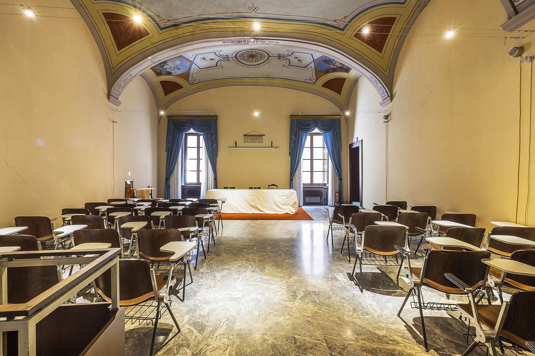 Albergo in Vendita a Orvieto: 5 locali, 1500 mq