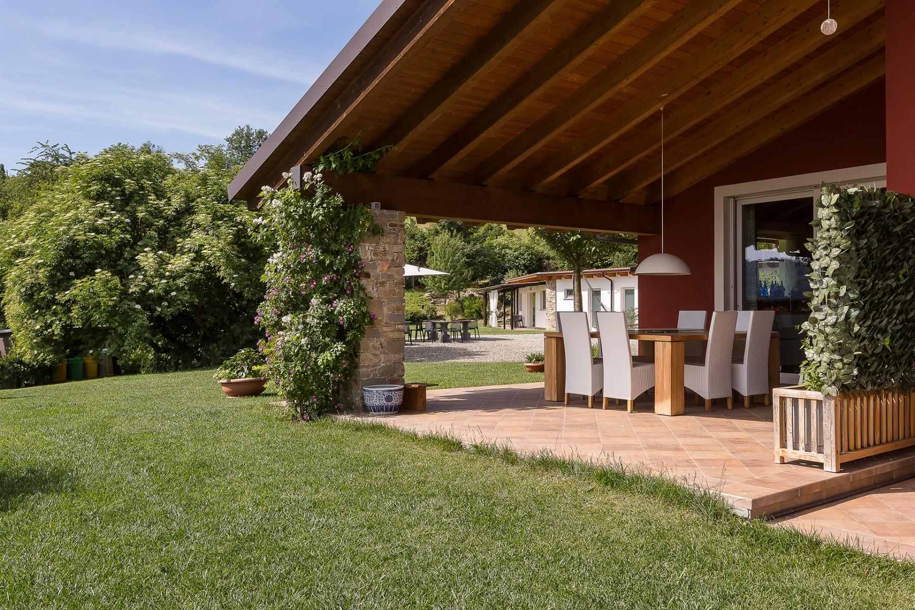 Villa in Vendita a Acqui Terme: 5 locali, 727 mq