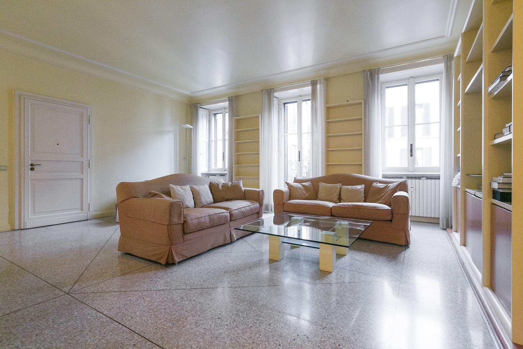 Appartamento in Affitto a Milano via petrarca