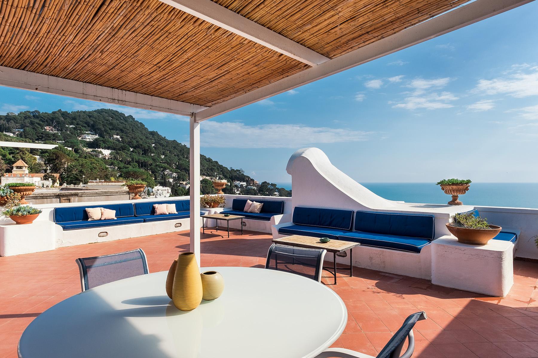 Attico in Vendita a Capri: 3 locali, 70 mq