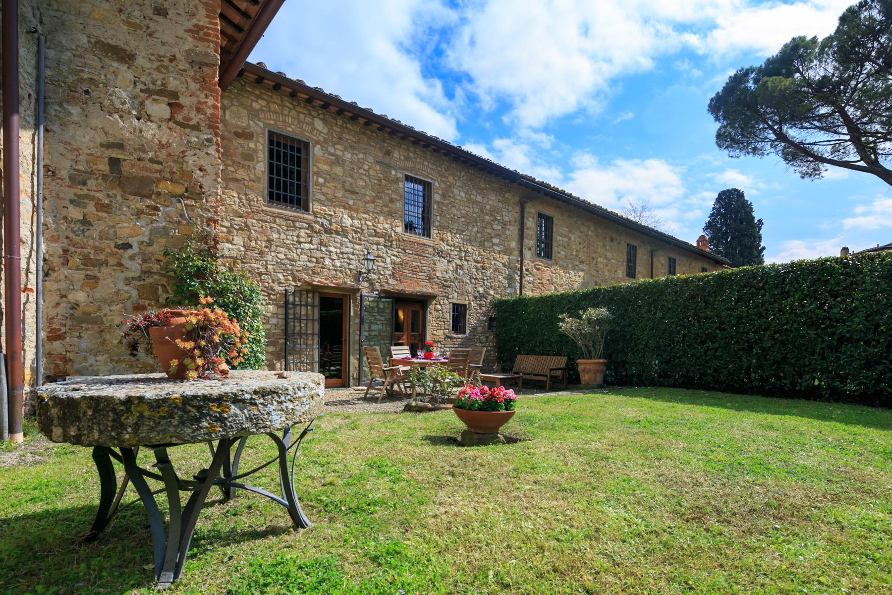 Rustico in Vendita a Firenze Periferia: 5 locali, 230 mq