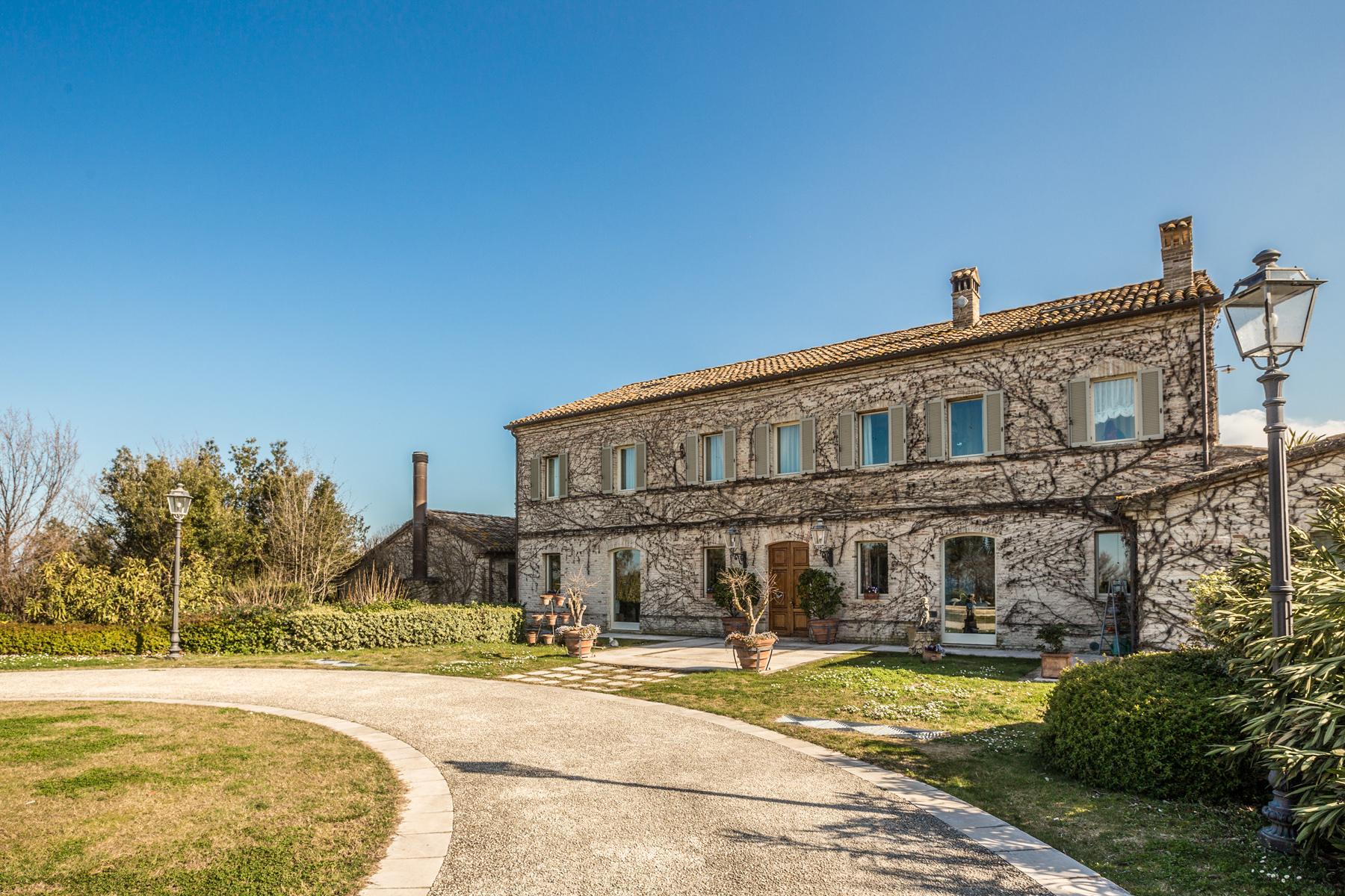 Villa in Vendita a Senigallia via fiorni