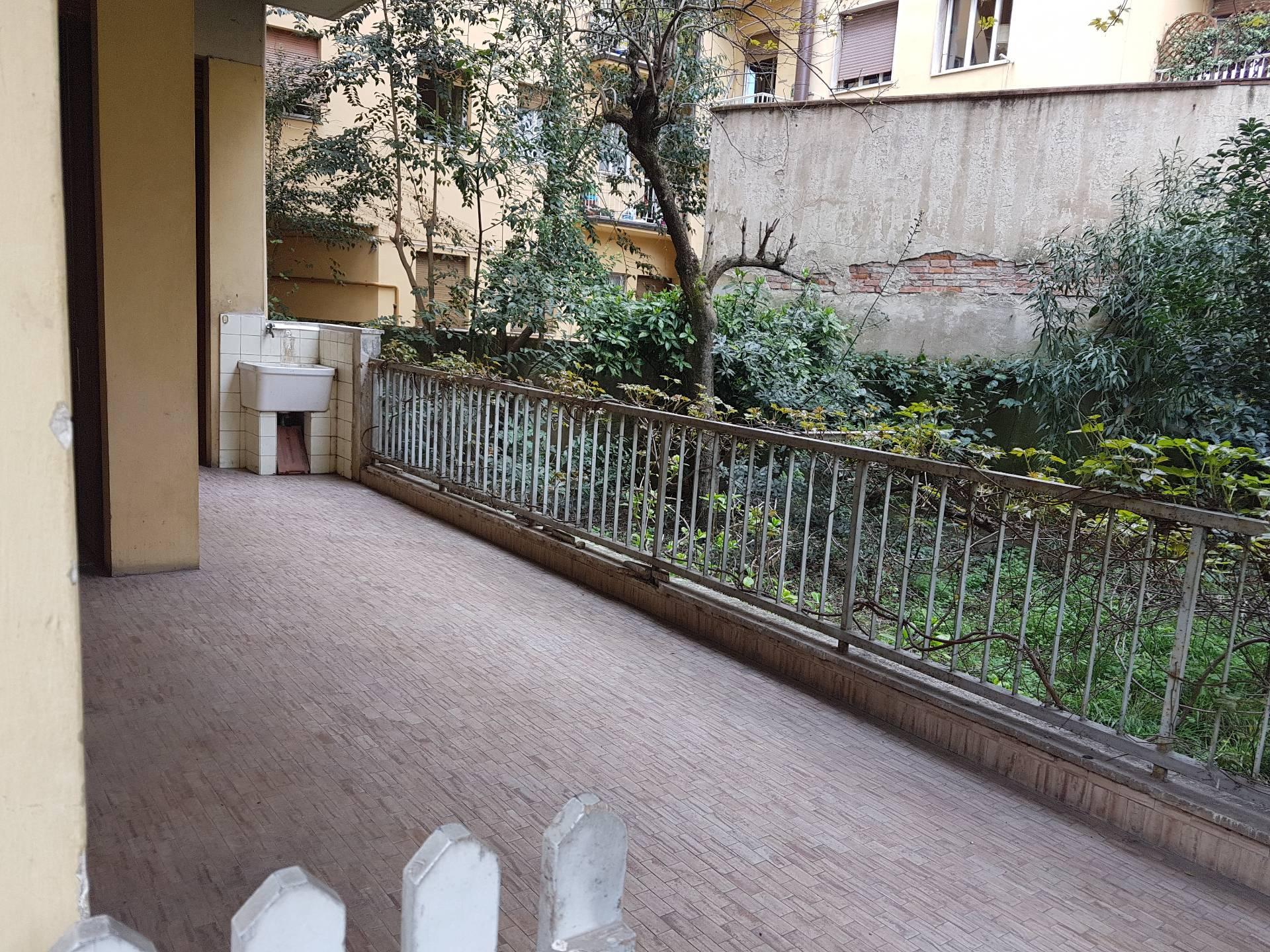 Appartamento in Vendita a Firenze via dei della robbia