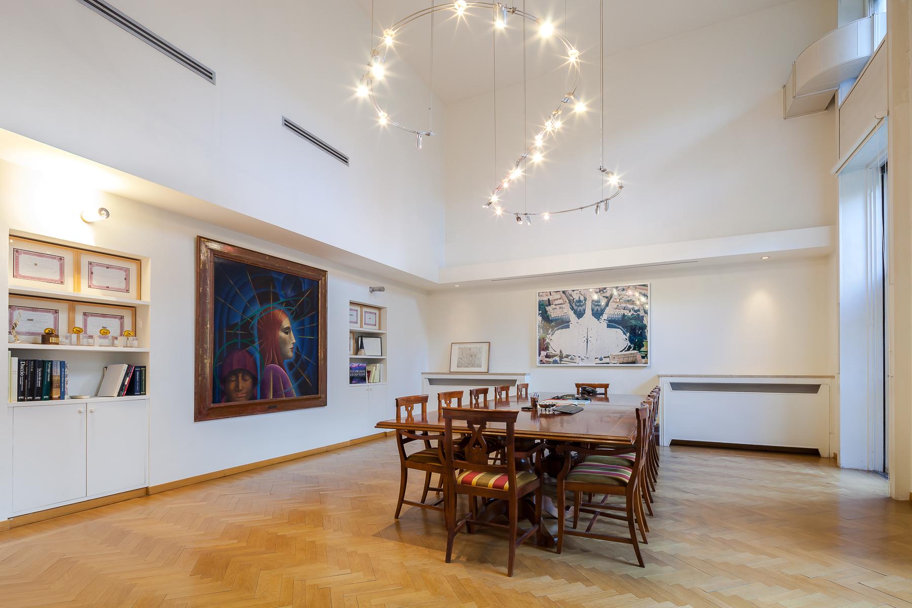 Ufficio studio di lusso in affitto a milano via bigli for Affitto studio eur