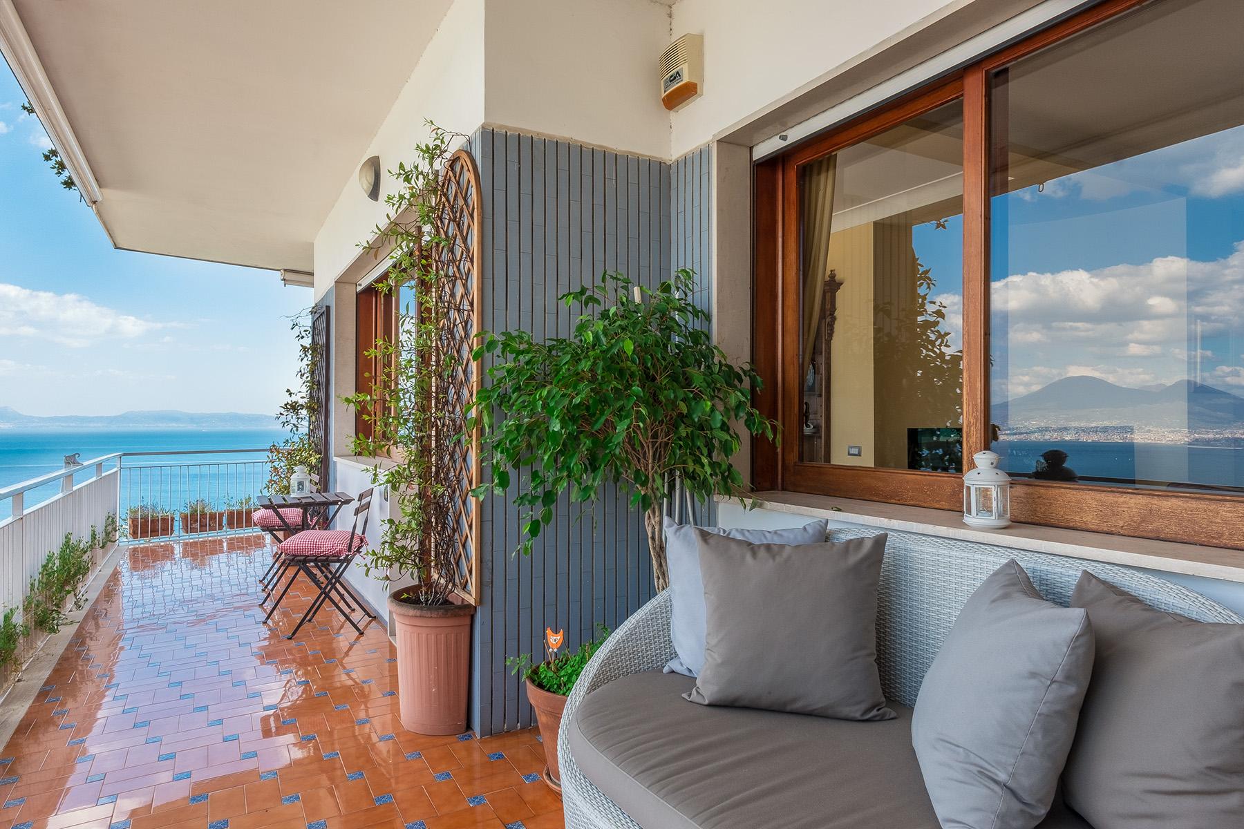 Appartamento in Vendita a Napoli: 5 locali, 150 mq - Foto 2