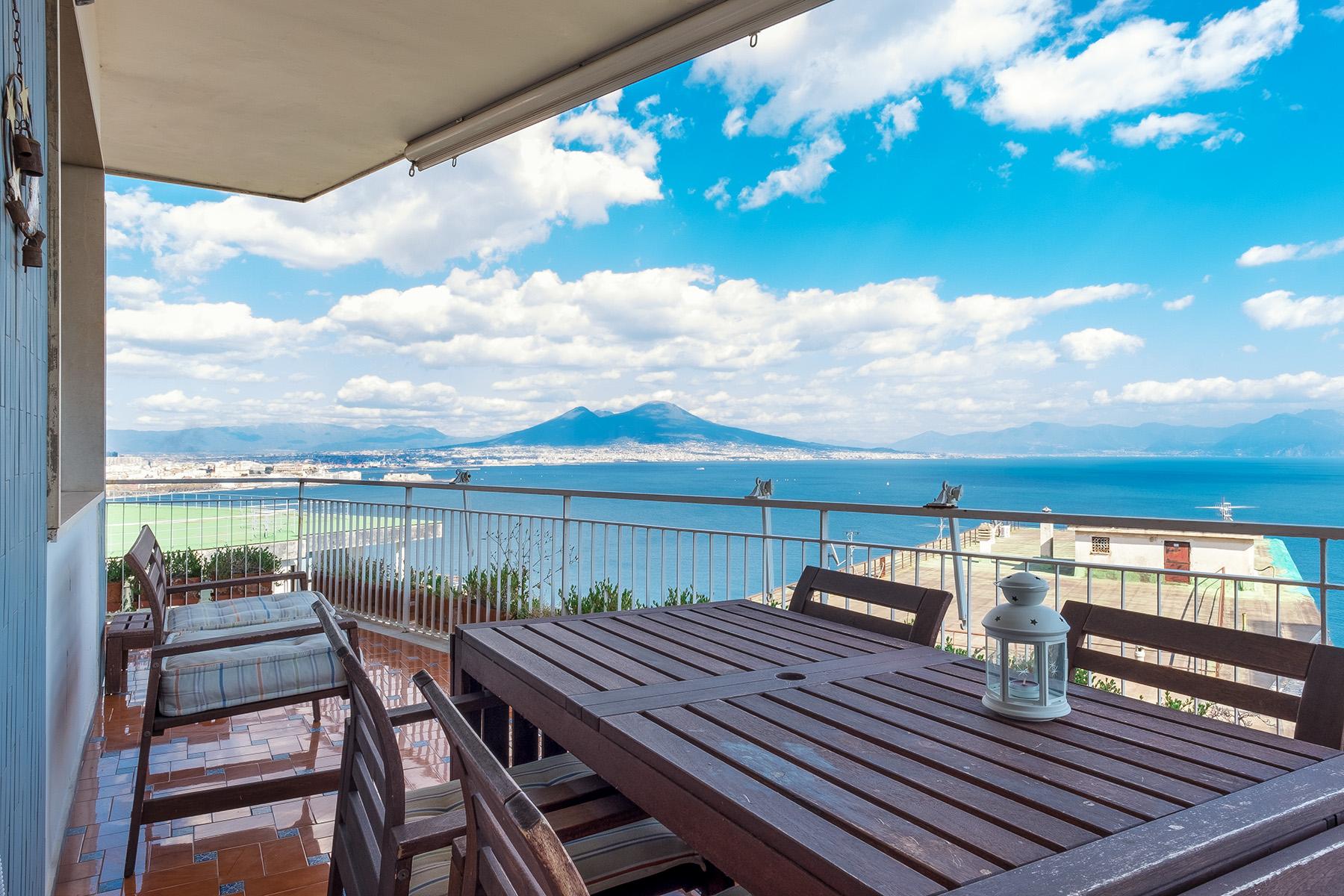 Appartamento in Vendita a Napoli:  5 locali, 150 mq  - Foto 1