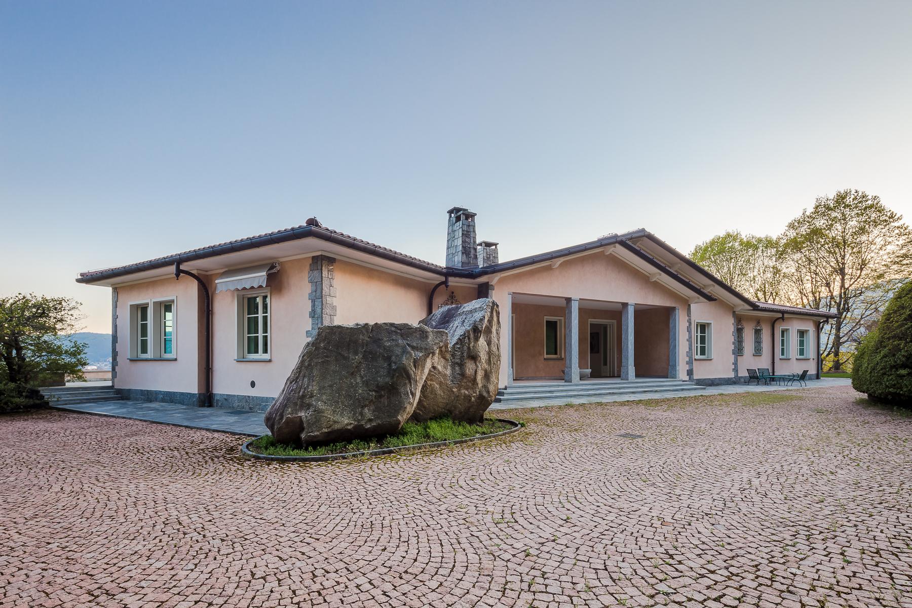 Villa in Vendita a Verbania: 5 locali, 800 mq - Foto 3