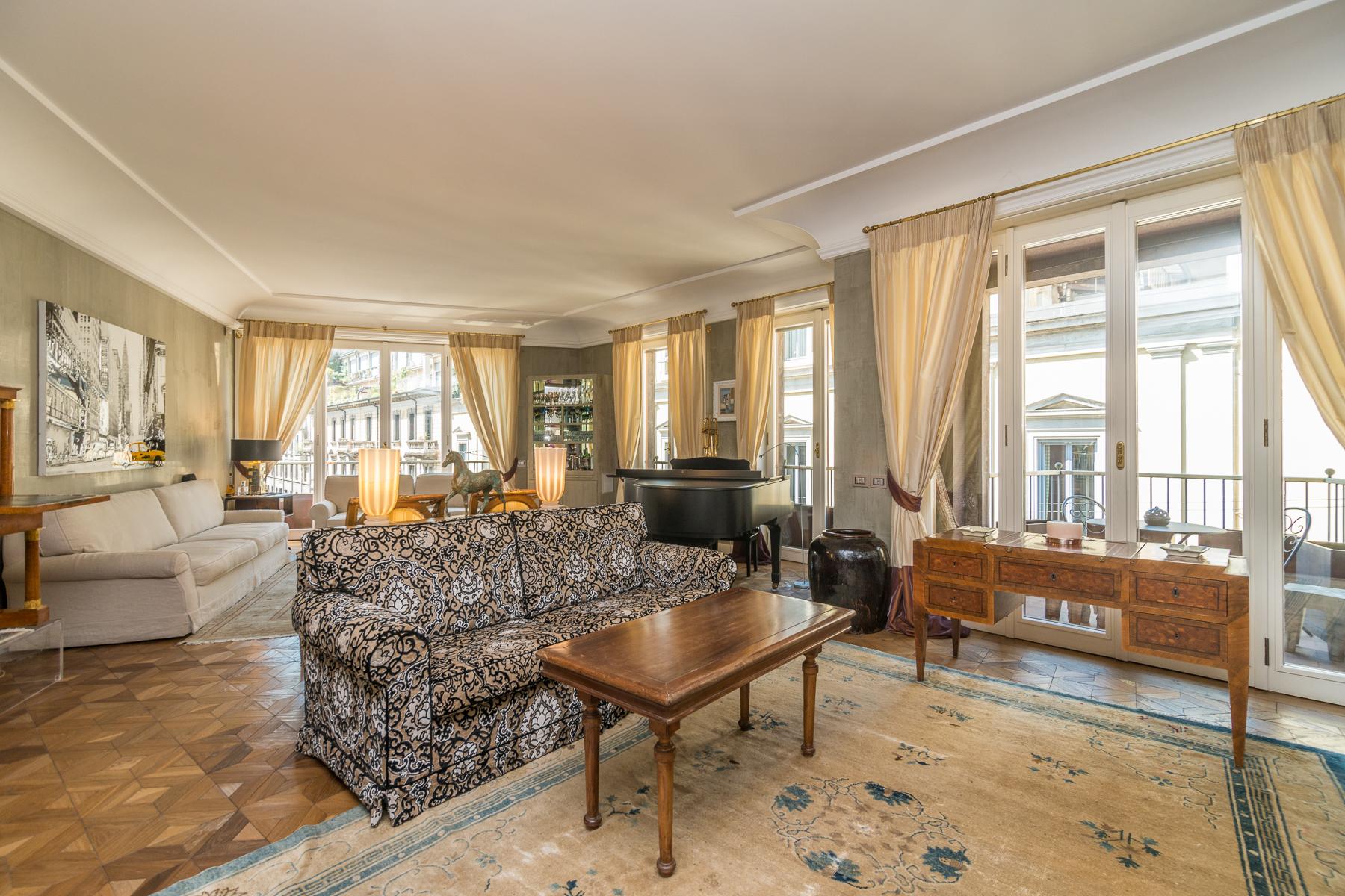 Appartamento in Vendita a Milano 02 Brera / Volta / Repubblica: 5 locali, 270 mq