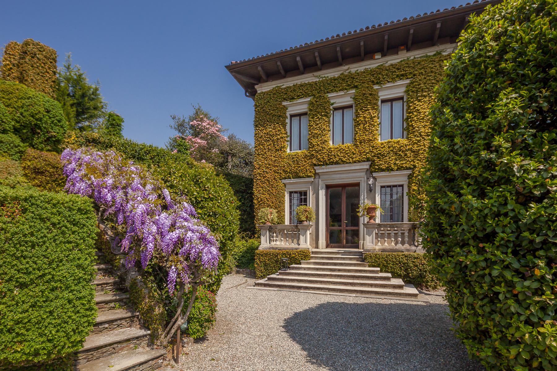 Villa in Vendita a Verbania: 5 locali, 1400 mq - Foto 1