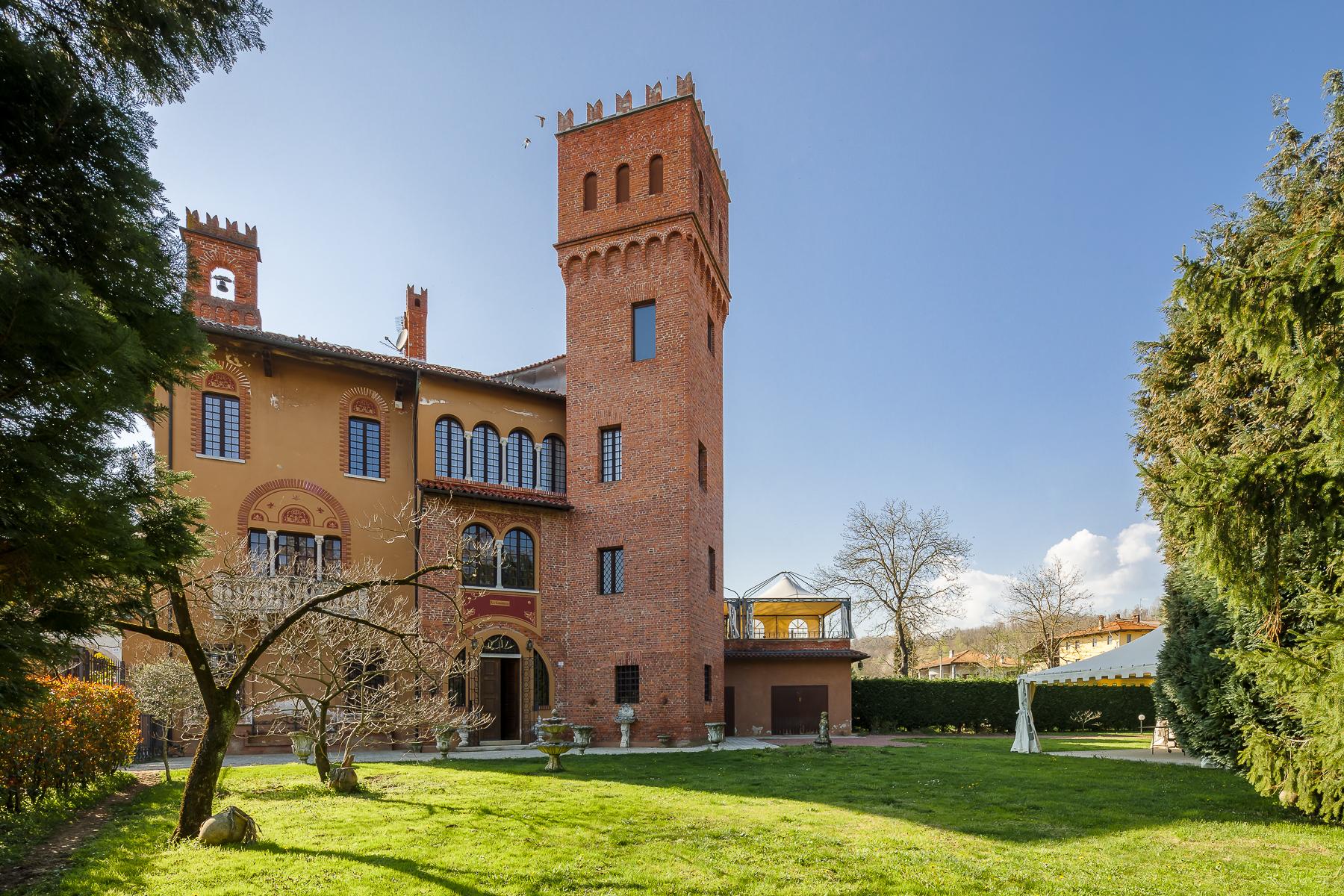 Villa in Vendita a Cavallirio: 5 locali, 400 mq