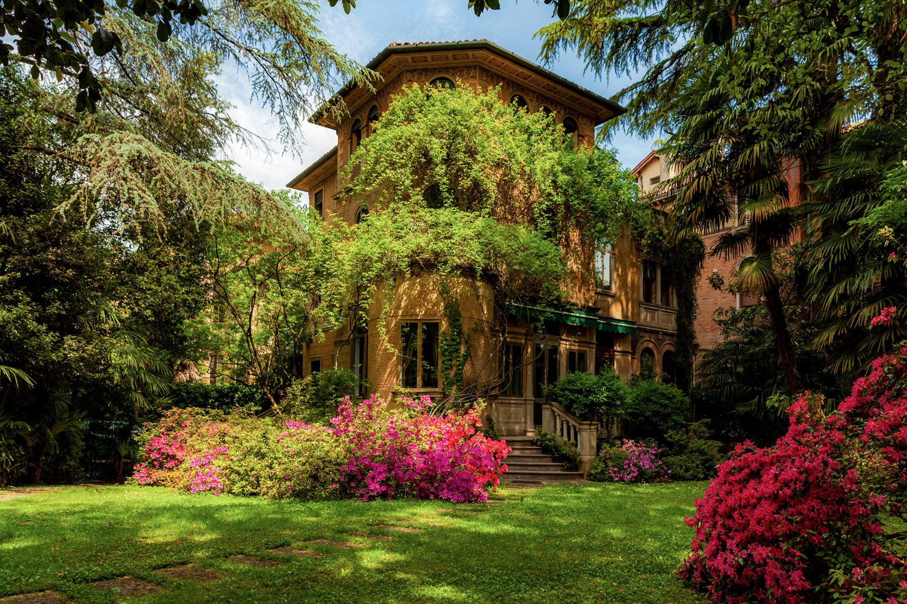 Villa in Vendita a Treviso Centro: 5 locali, 460 mq