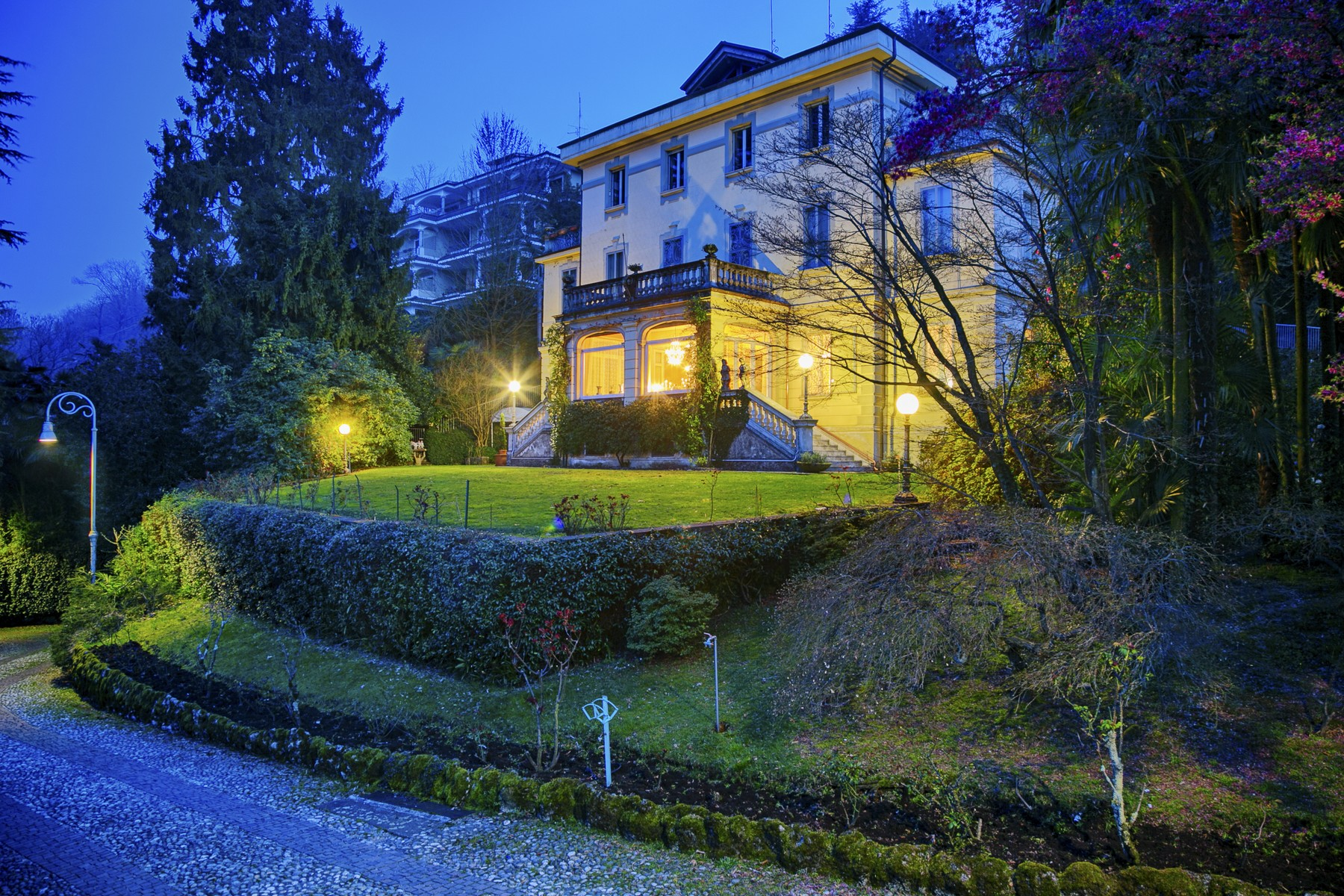 Villa in Vendita a Stresa: 5 locali, 800 mq
