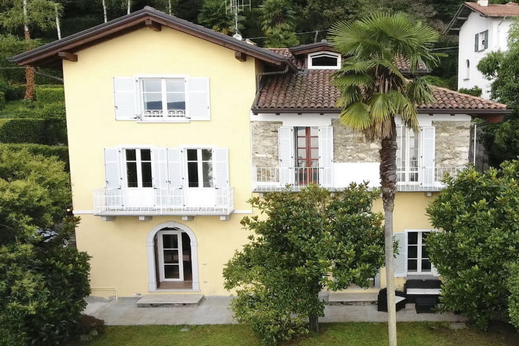 Villa in Vendita a Stresa: 5 locali, 360 mq - Foto 1