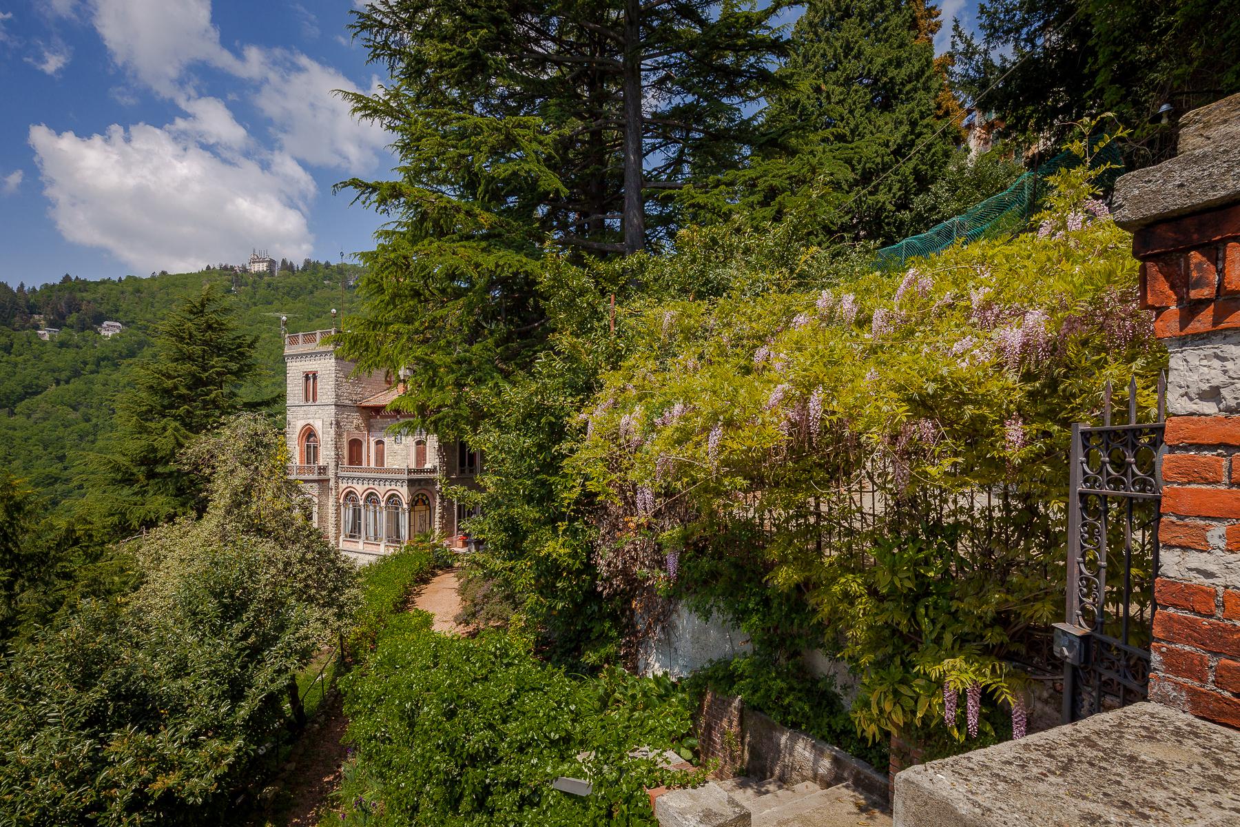 Villa in Vendita a Varese: 5 locali, 375 mq - Foto 2