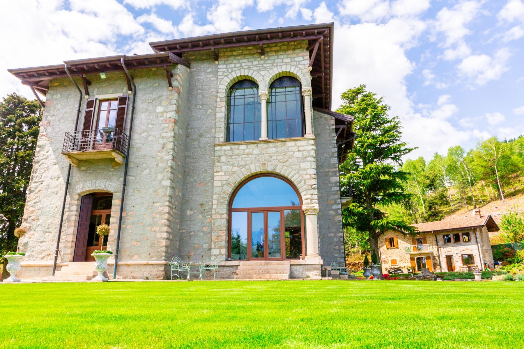Villa in Vendita a Stresa via degli alpini