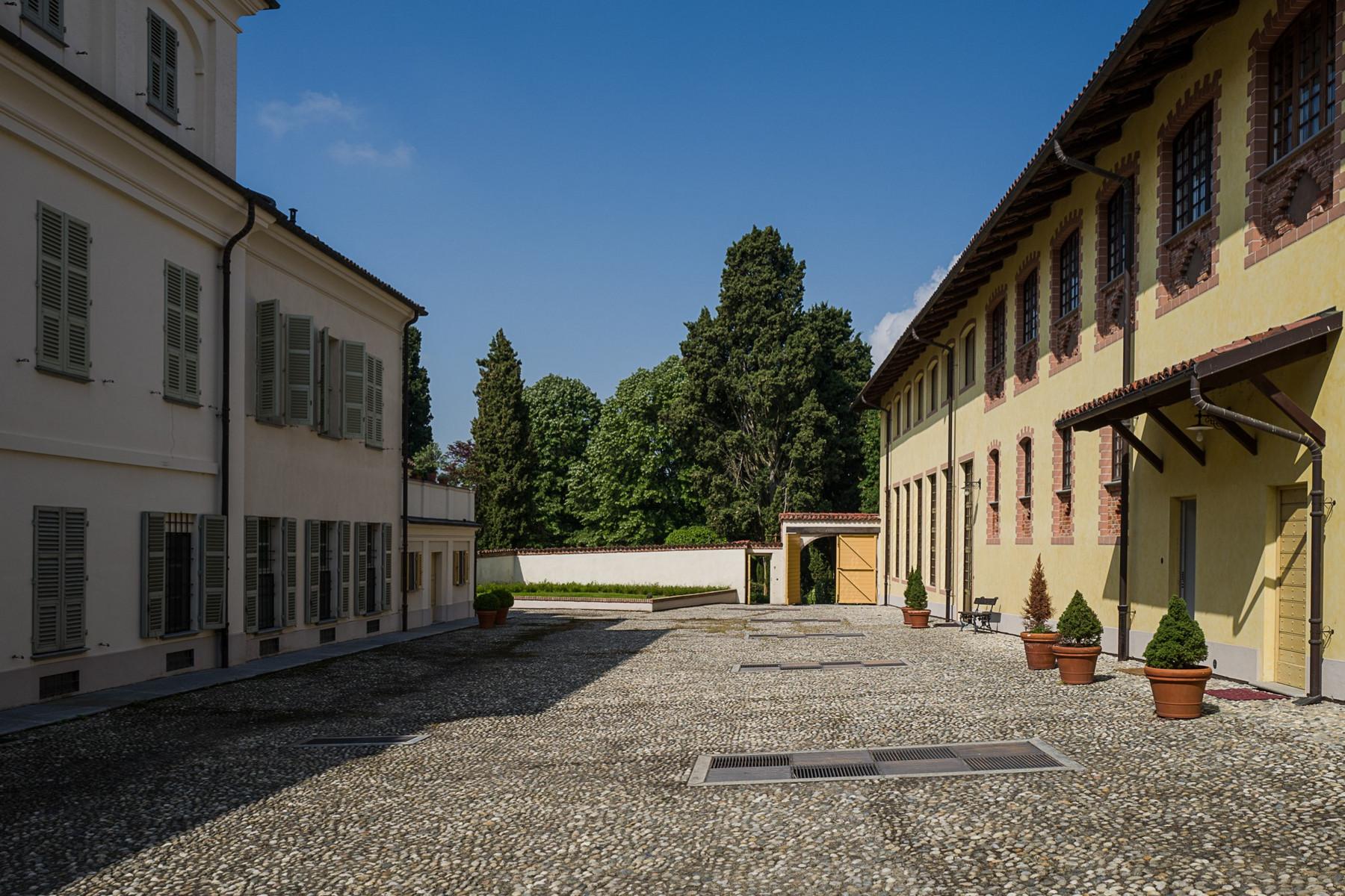 Appartamento in Vendita a Chieri: 5 locali, 300 mq - Foto 2