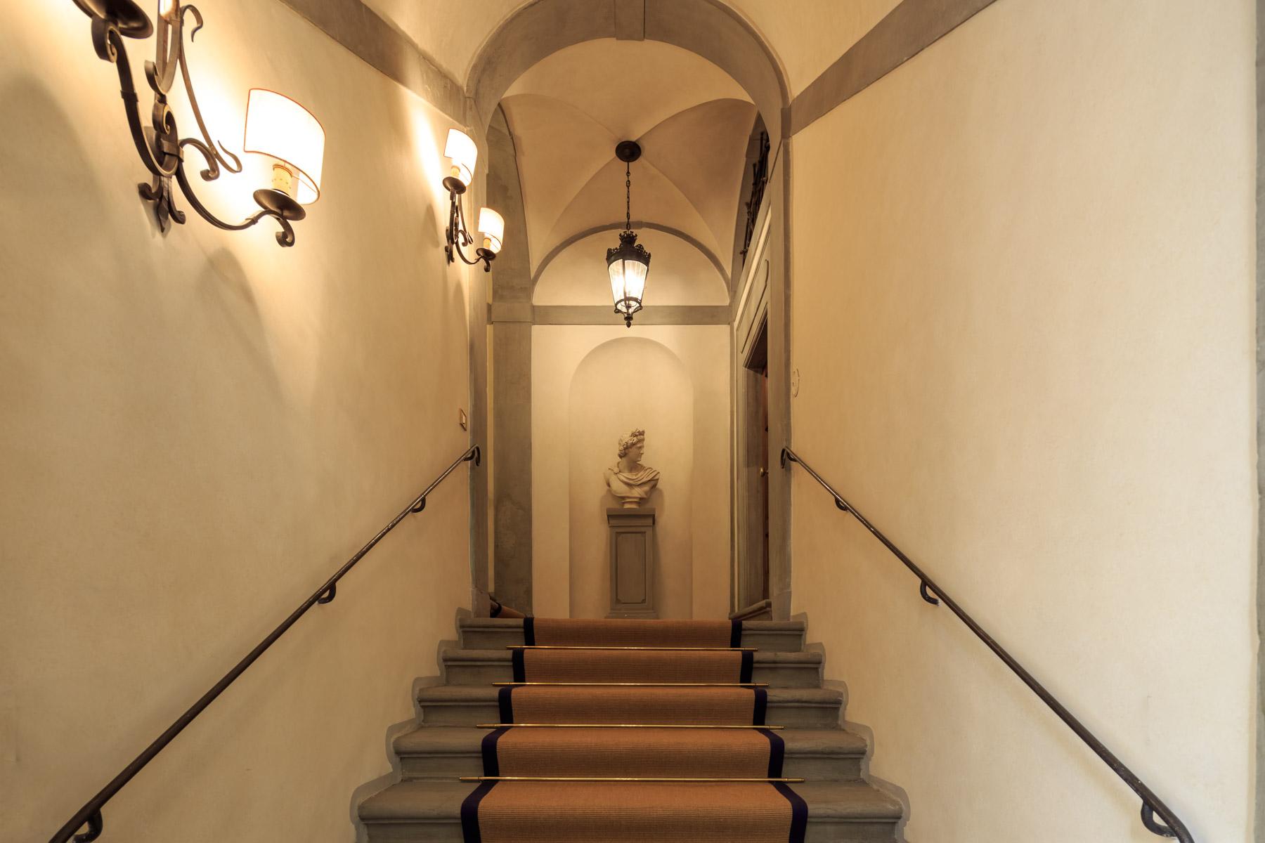 Appartamento in Affitto a Firenze: 5 locali, 160 mq - Foto 2