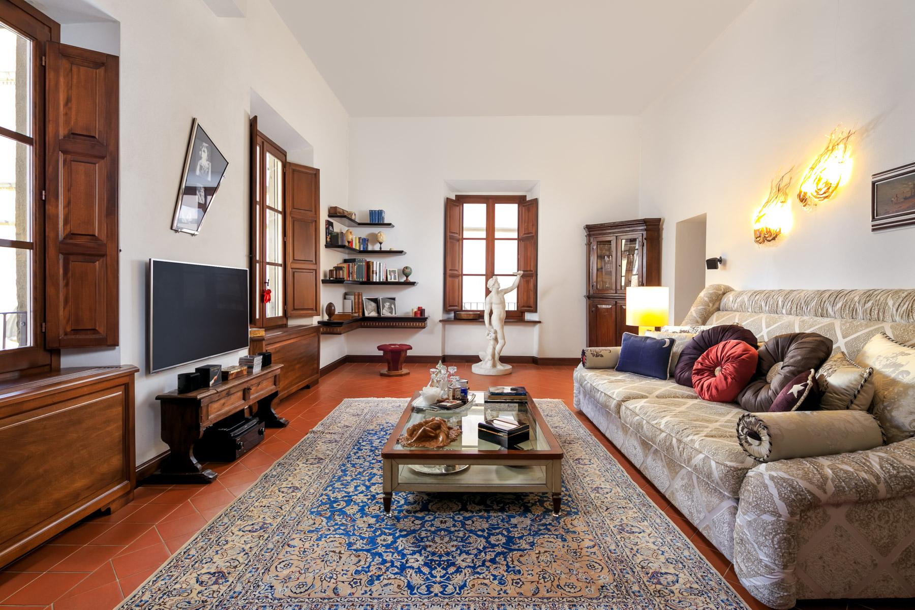 Appartamento in Vendita a Lucca Centro:  5 locali, 130 mq  - Foto 1