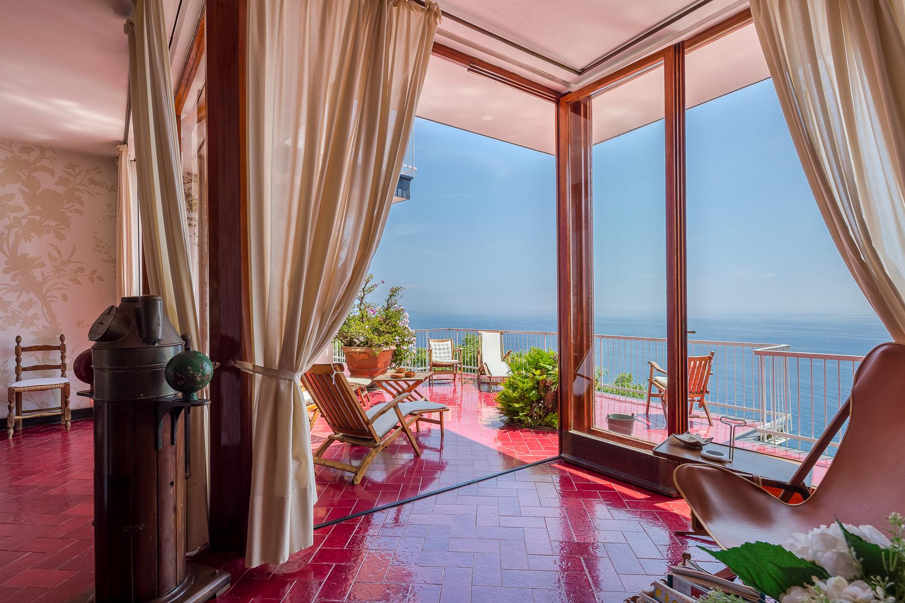 Villa in Vendita a Arenzano: 5 locali, 610 mq