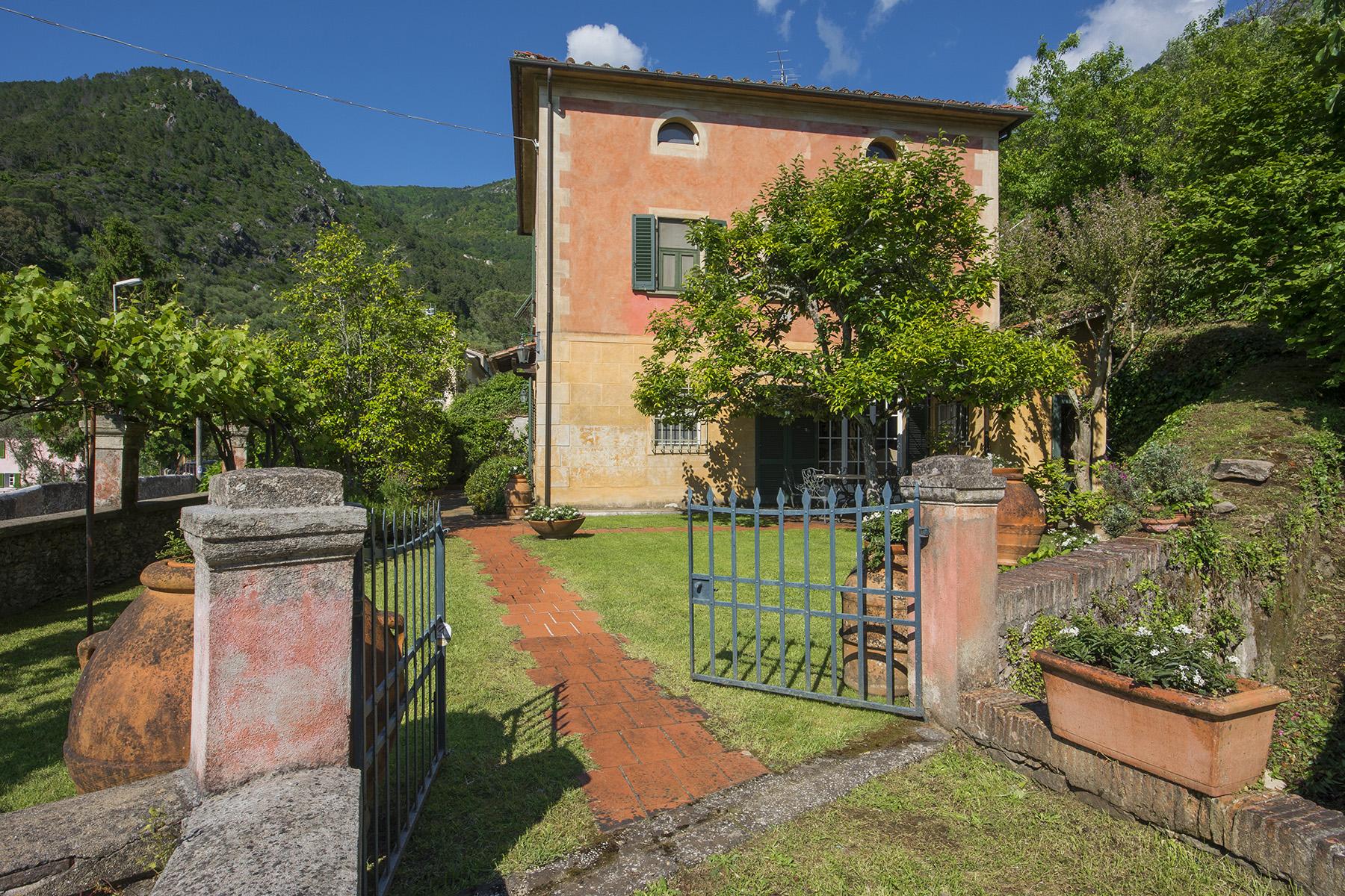 Villa in Vendita a San Giuliano Terme via barachini