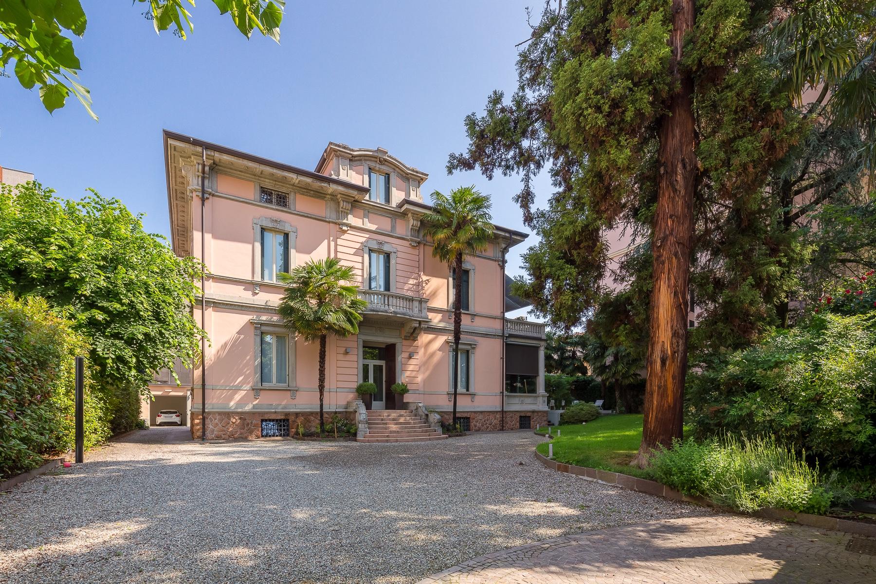 Villa in Vendita a Varese: 5 locali, 800 mq - Foto 3