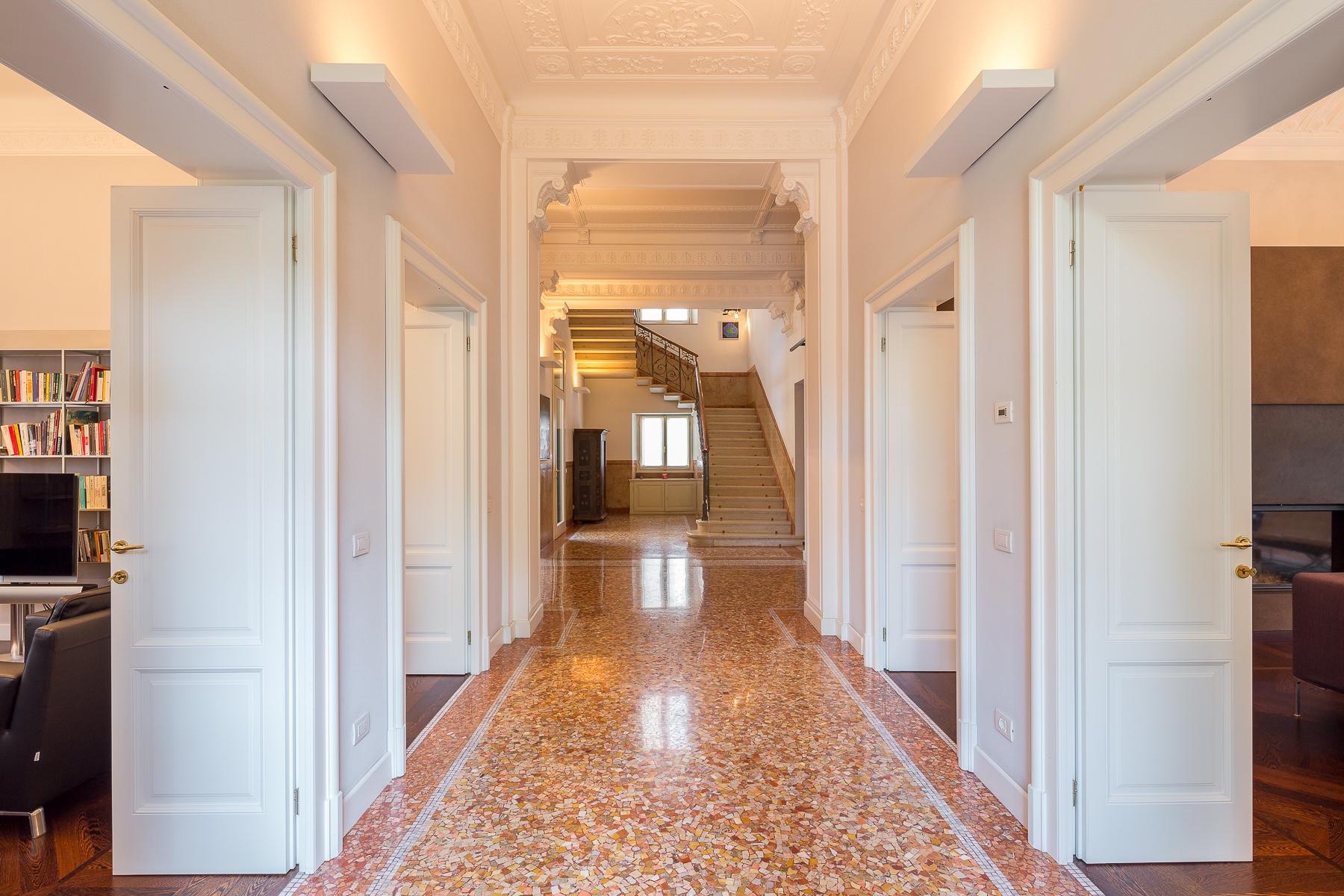 Villa in Vendita a Varese: 5 locali, 800 mq - Foto 4